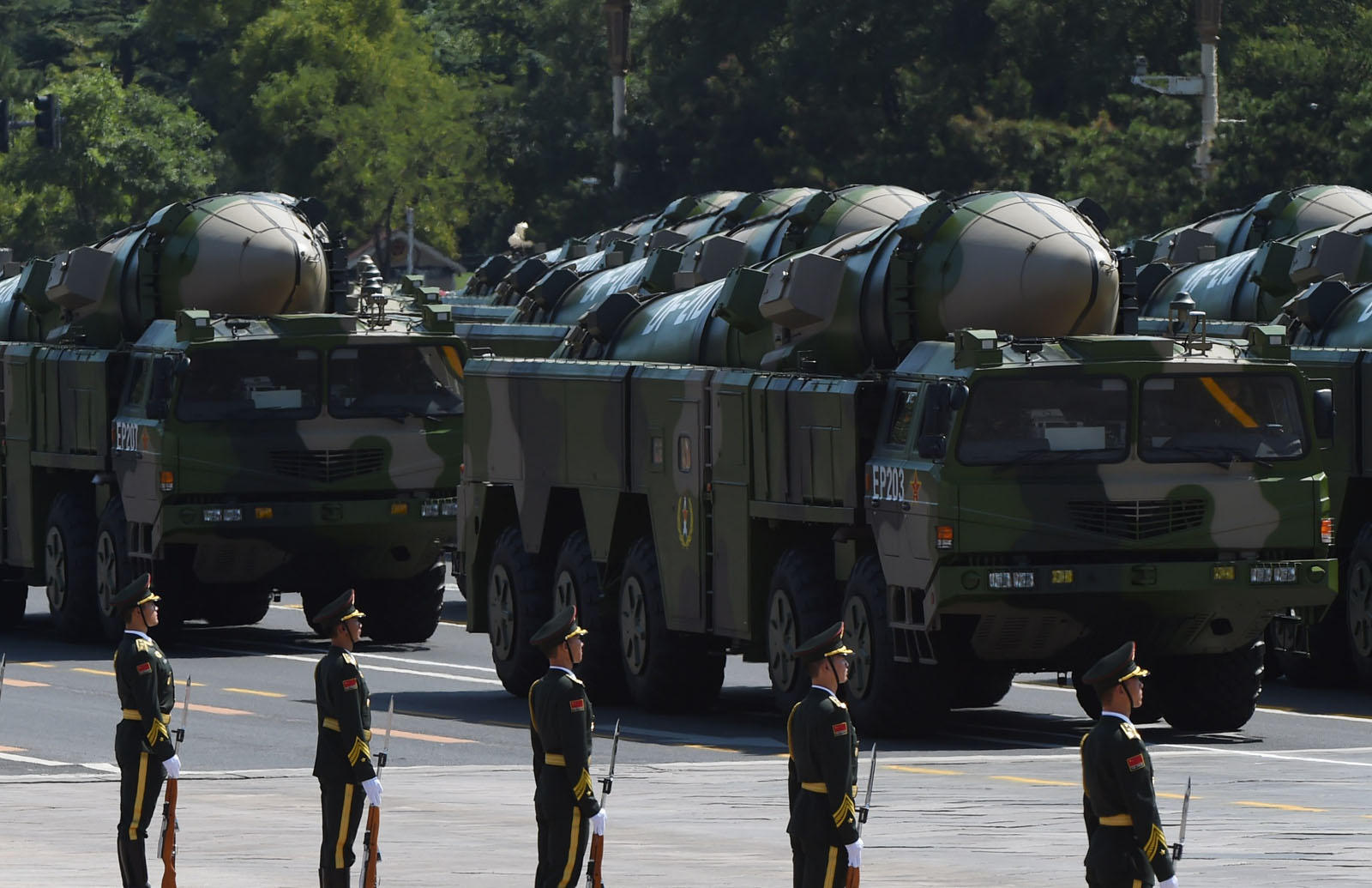 The might of the Chinese military - China's newest weapons ...