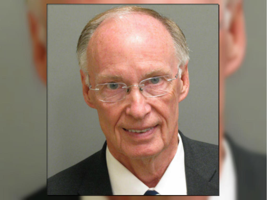 robert bentley, alabama governor, resigns amid scandal and