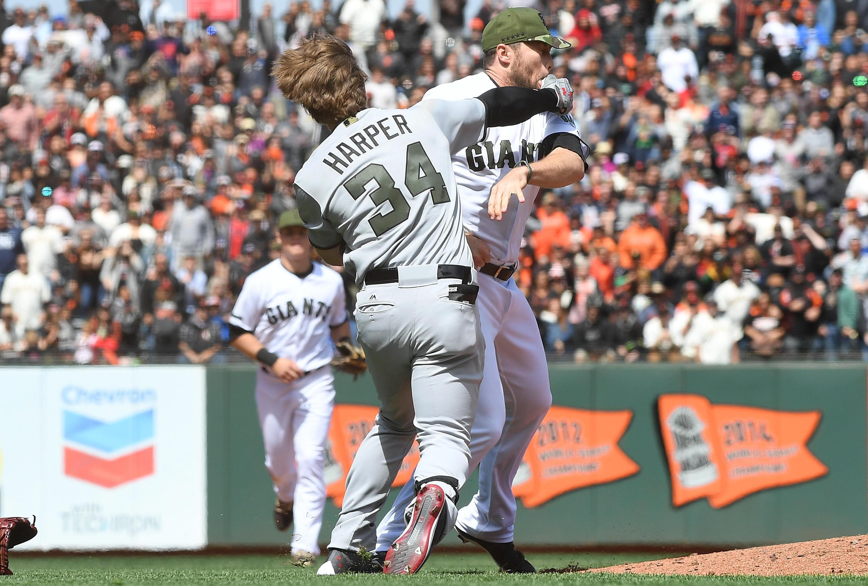 0474c1150 MLB suspends Strickland