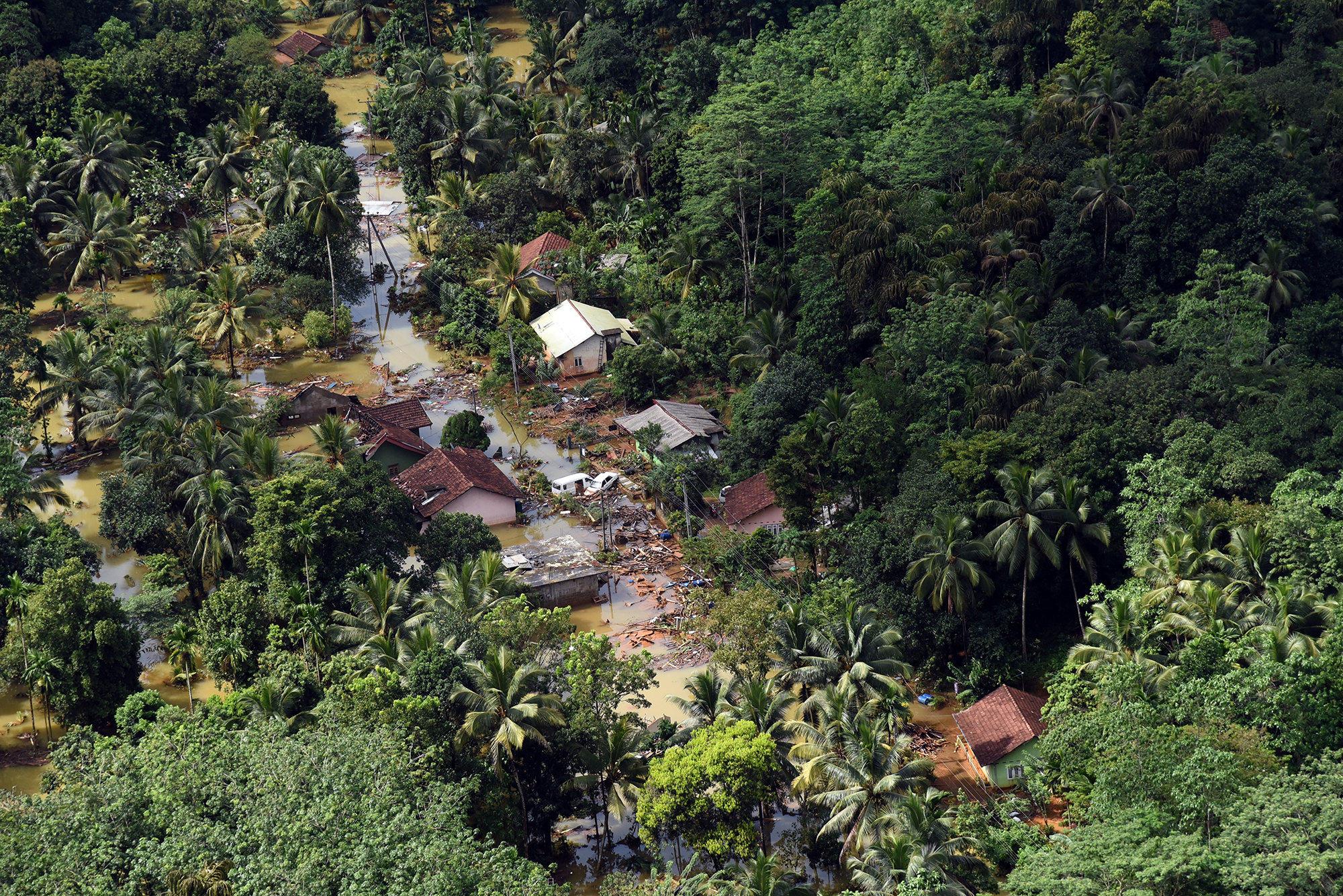 Over 200 Dead In Sri Lanka Mudslides Floods Cbs News