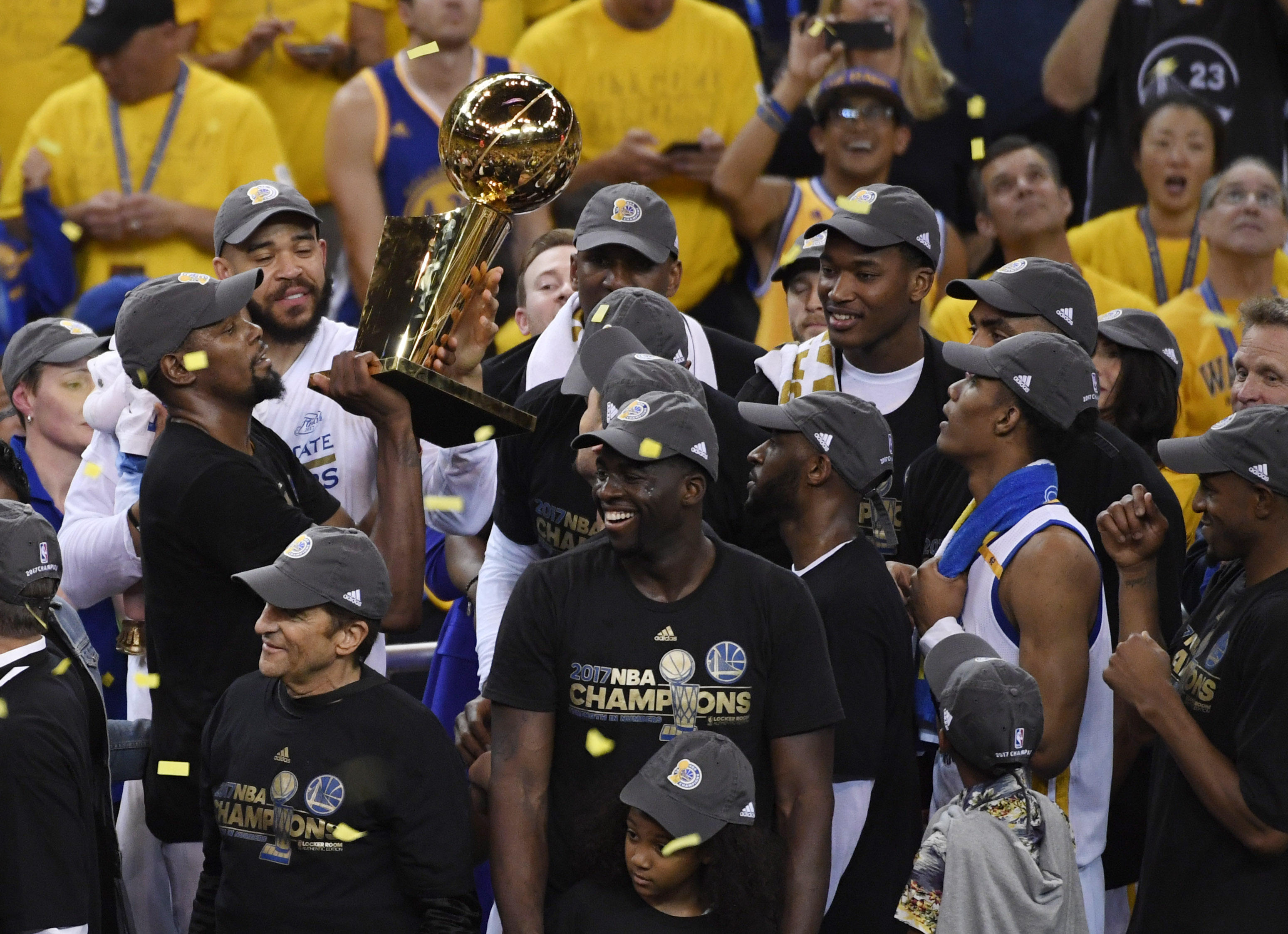 e5d2e575f706 Golden State Warriors beat Cleveland Cavaliers 129-120 to win NBA title