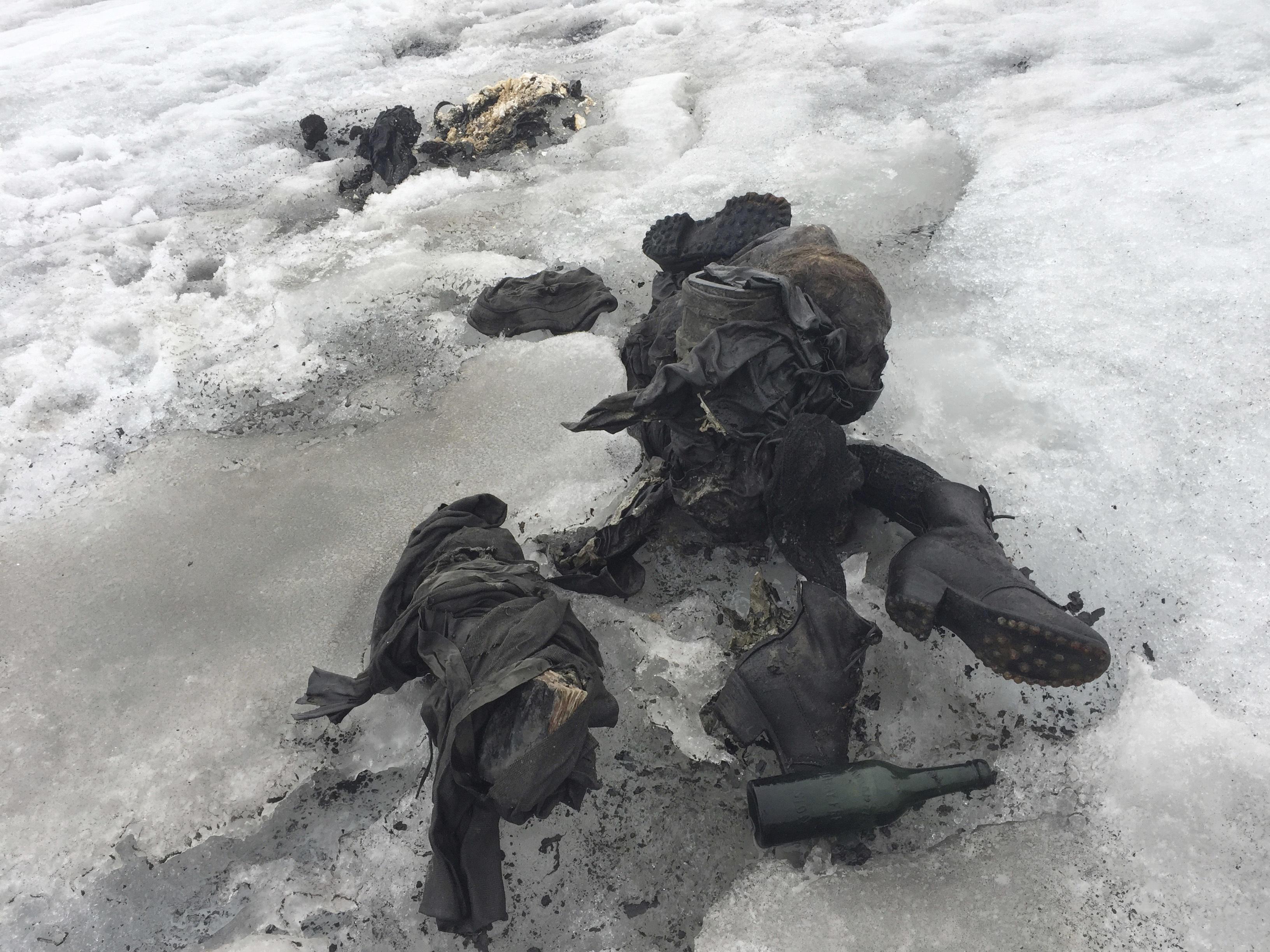 Glacier reveals bodies of Switzerland couple in Swiss Alps