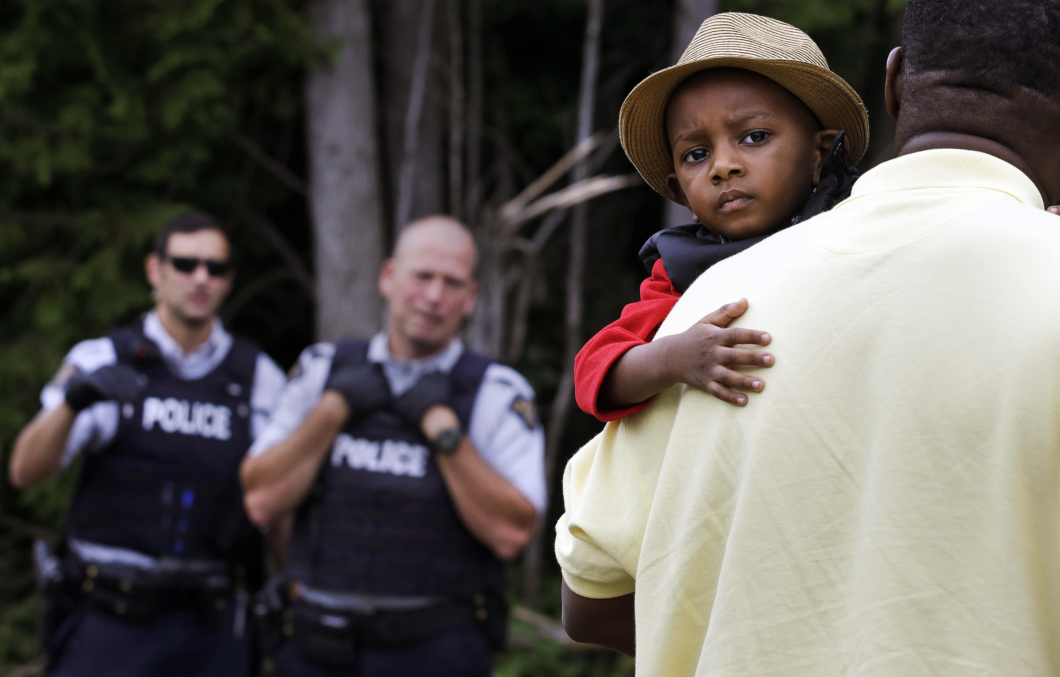 Country road to Canada is route to hope for many migrants