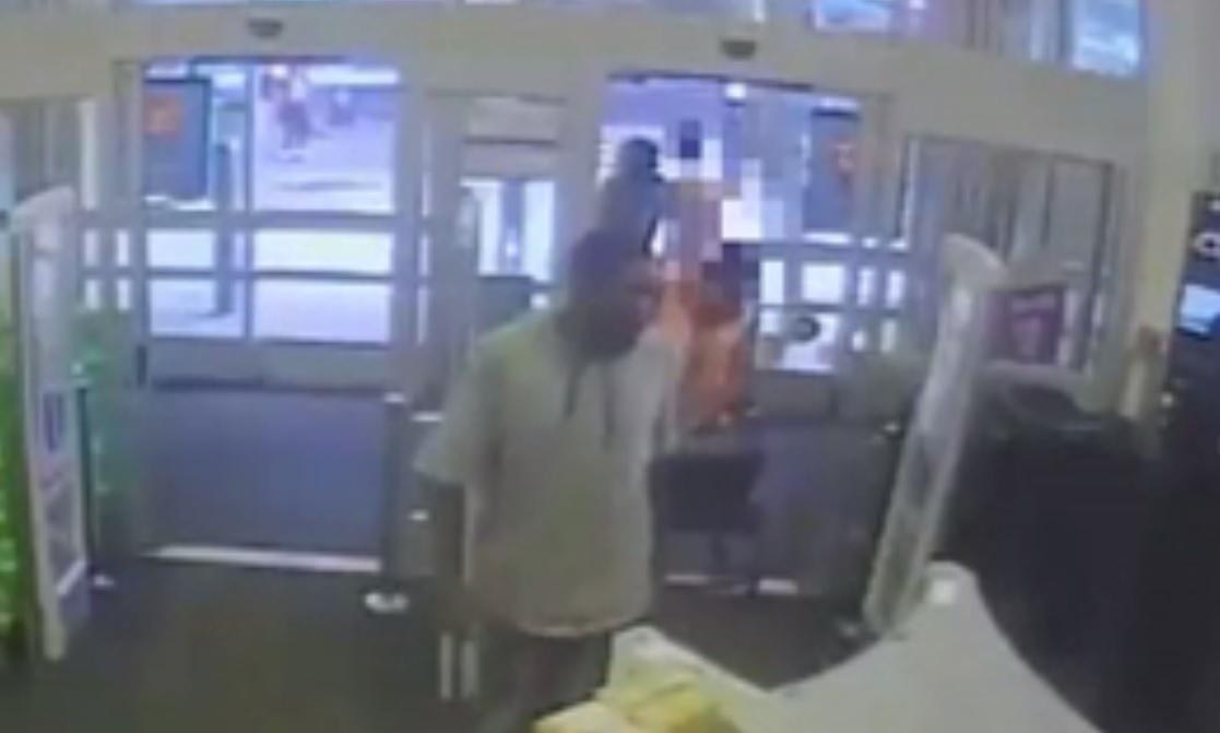 Police Nyc Walgreens Worker Stops Sexual Assault In Store