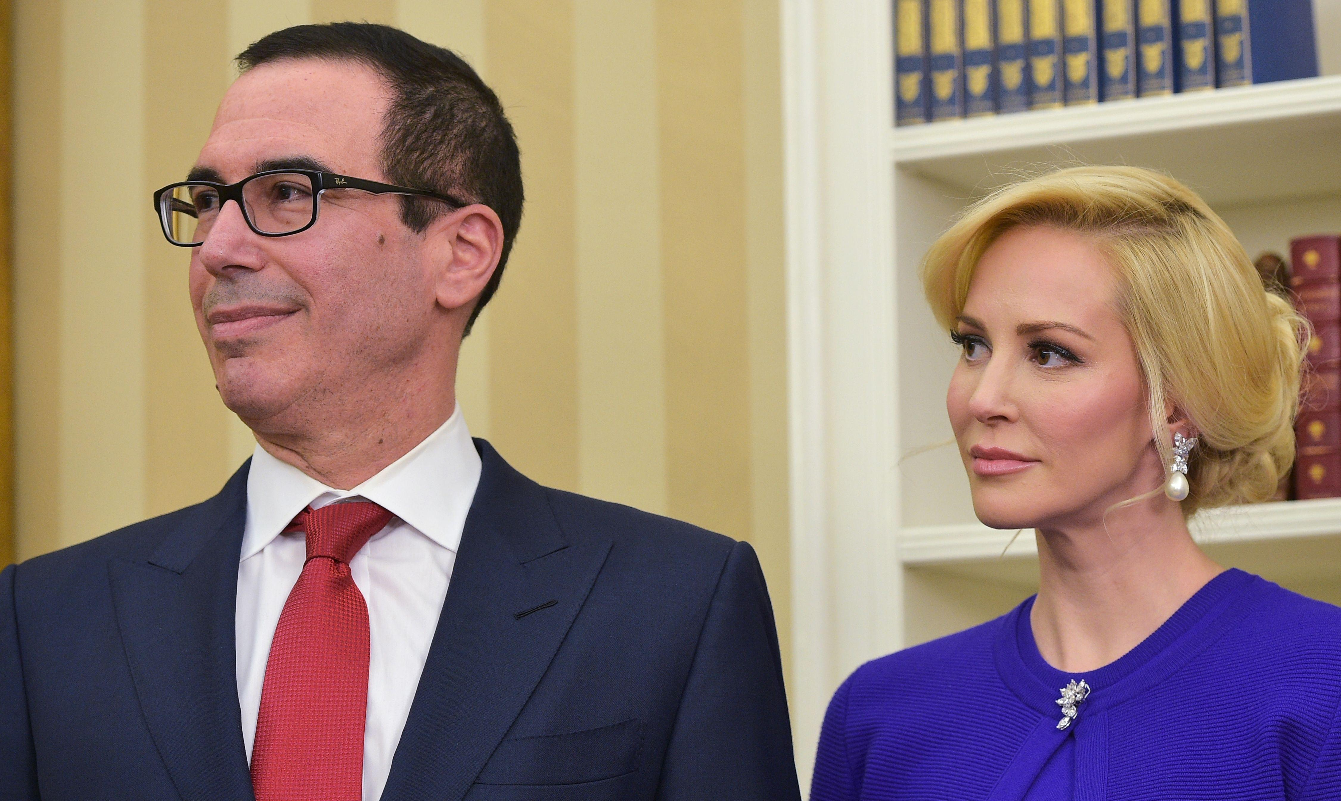 Mnuchin Wife Photo >> Ethics Watchdog Asks For Records Of Steve Mnuchin And Wife Louis