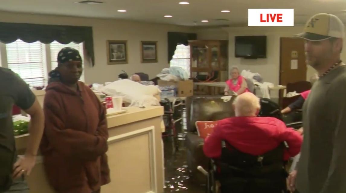port arthur nursing home 2017 8 30 rescue workers evacuating port arthur, texas, nursing