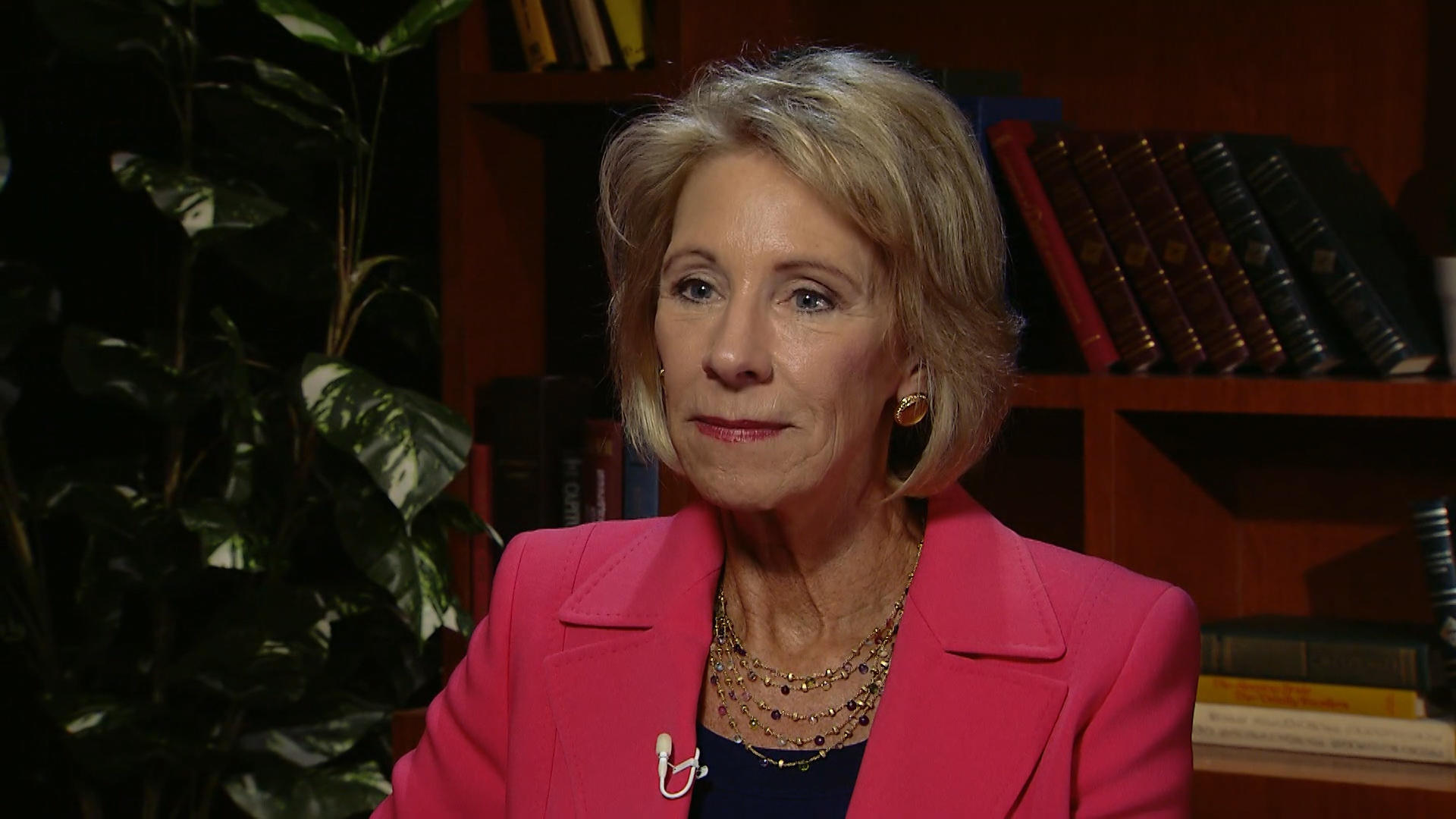 Special Education Chiefs To Devos Dont >> Devos To Rescind Obama S Title Ix Sexual Assault Guidelines