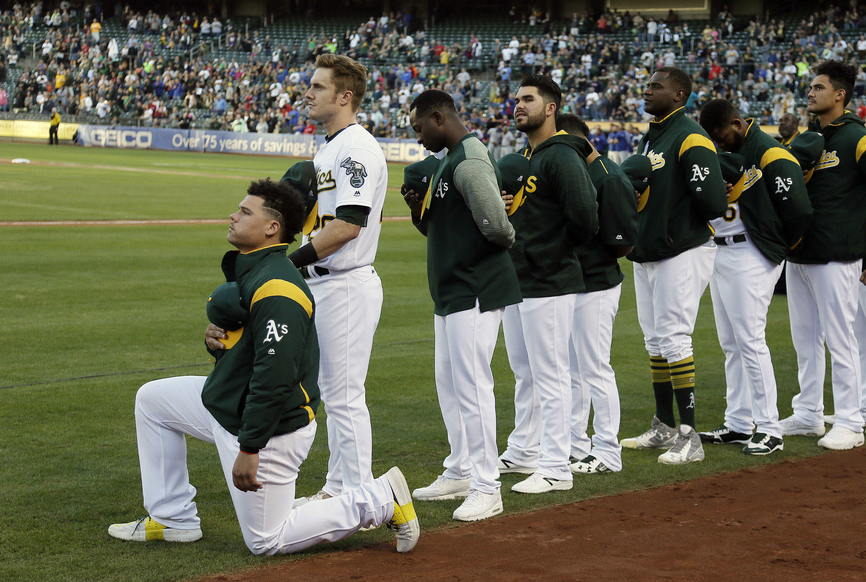 hot sales 3cd54 0feac Oakland A's player becomes first MLB player to kneel during ...