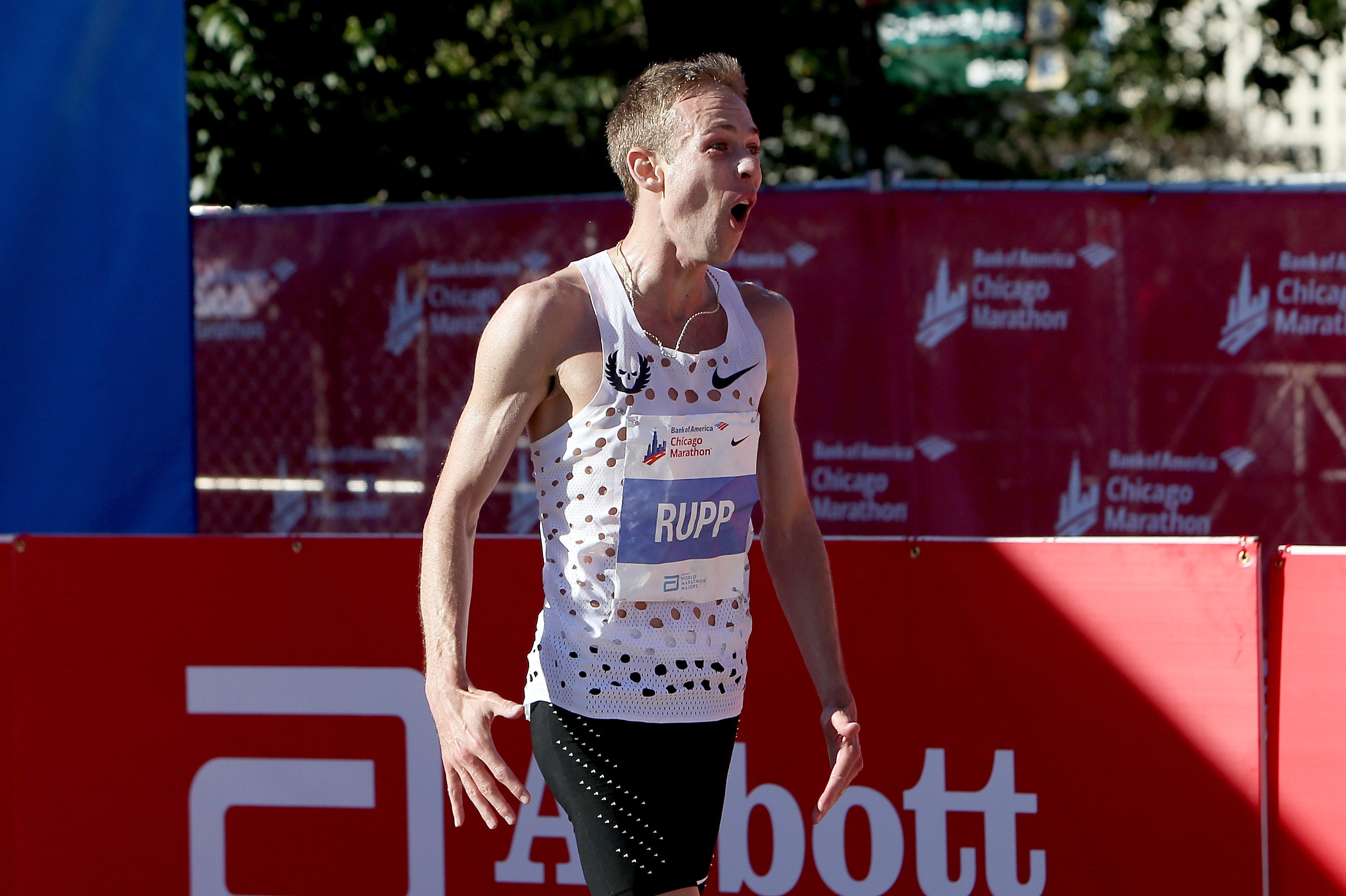 Chicago Marathon: Galen Rupp becomes first American to win since 2002