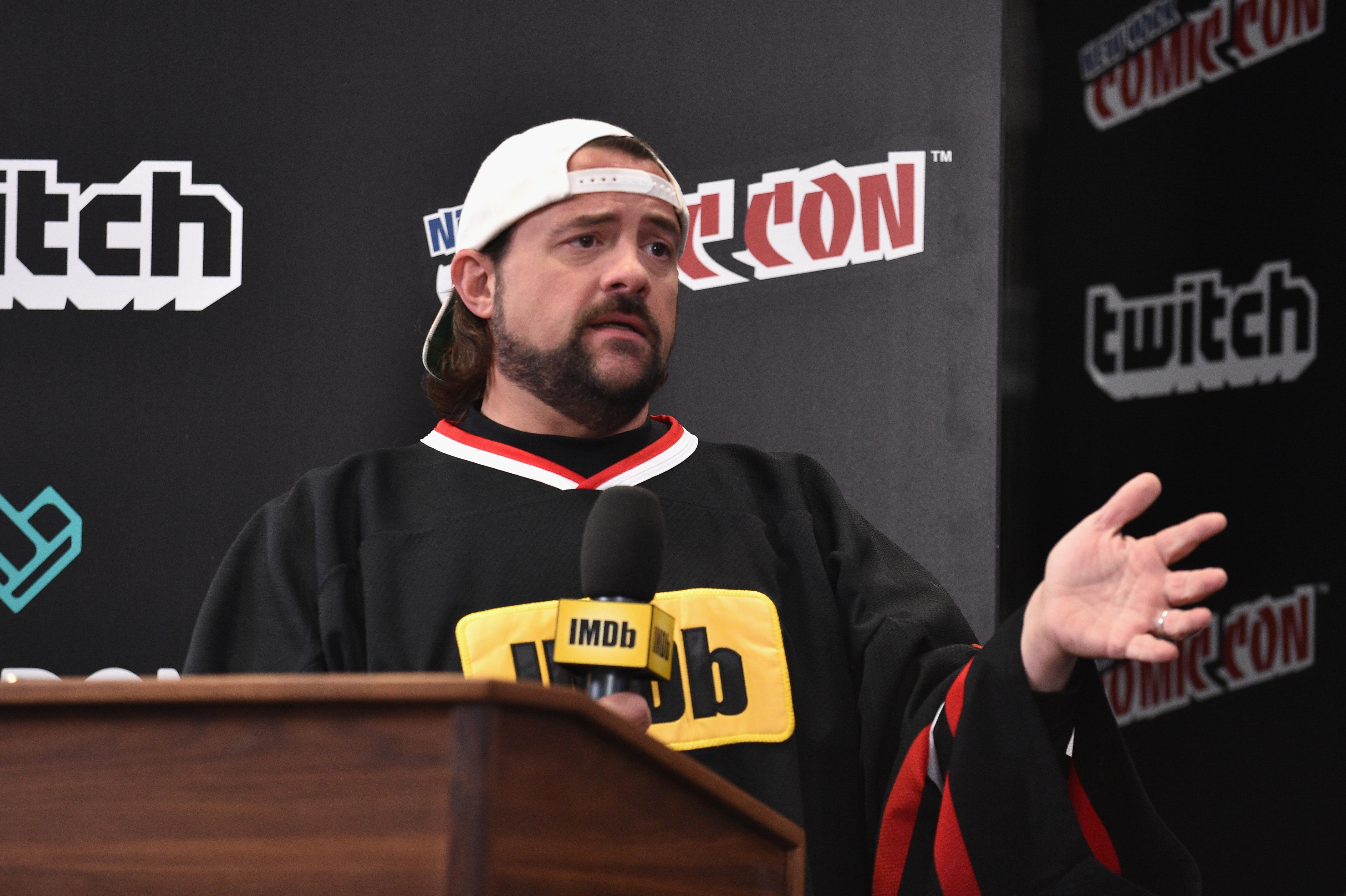 Kevin Smith shares shocking transformation photo after
