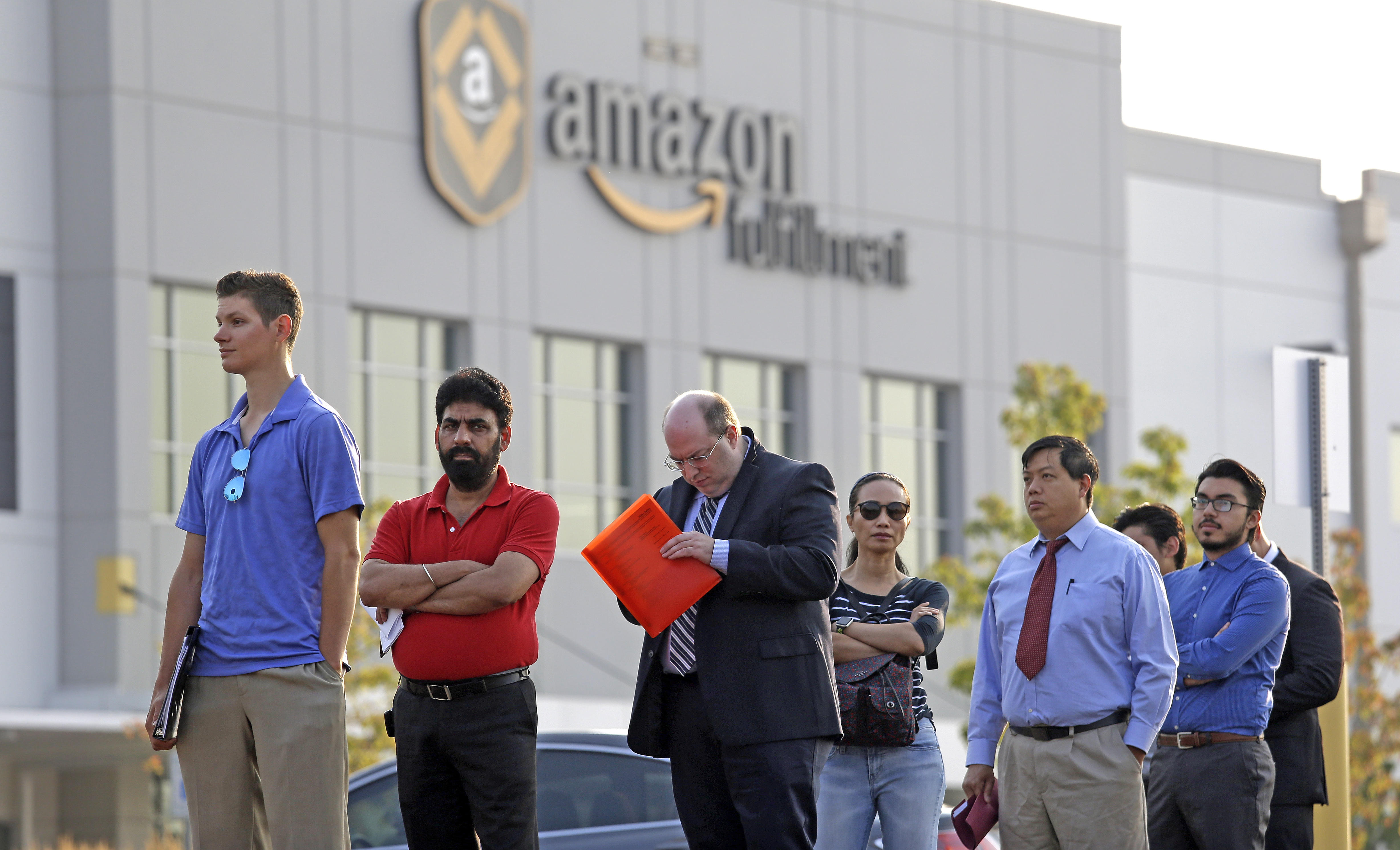 Want work this holiday season? Here's where Amazon is hiring