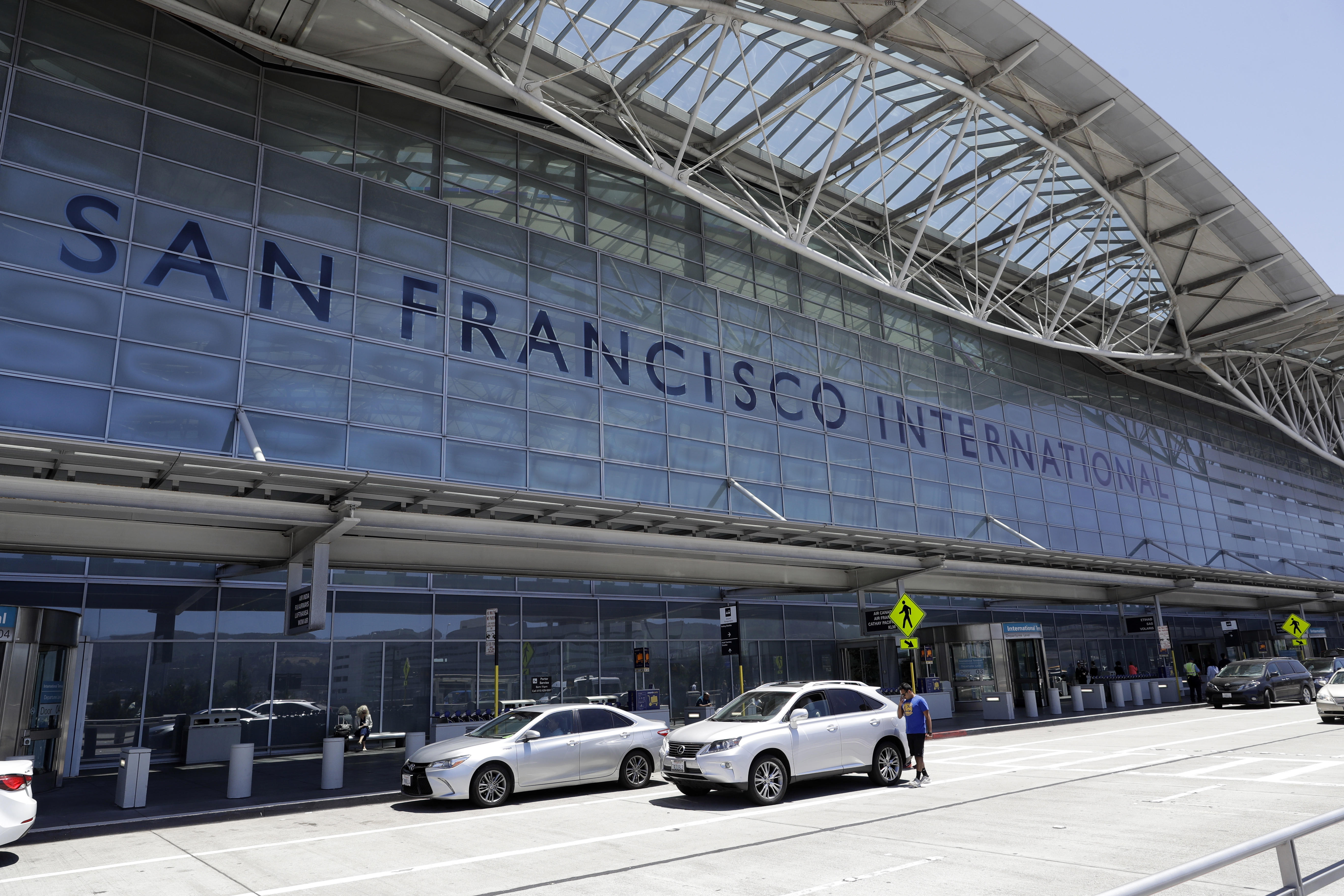 air canada landing in san francisco prompts another faa. Black Bedroom Furniture Sets. Home Design Ideas