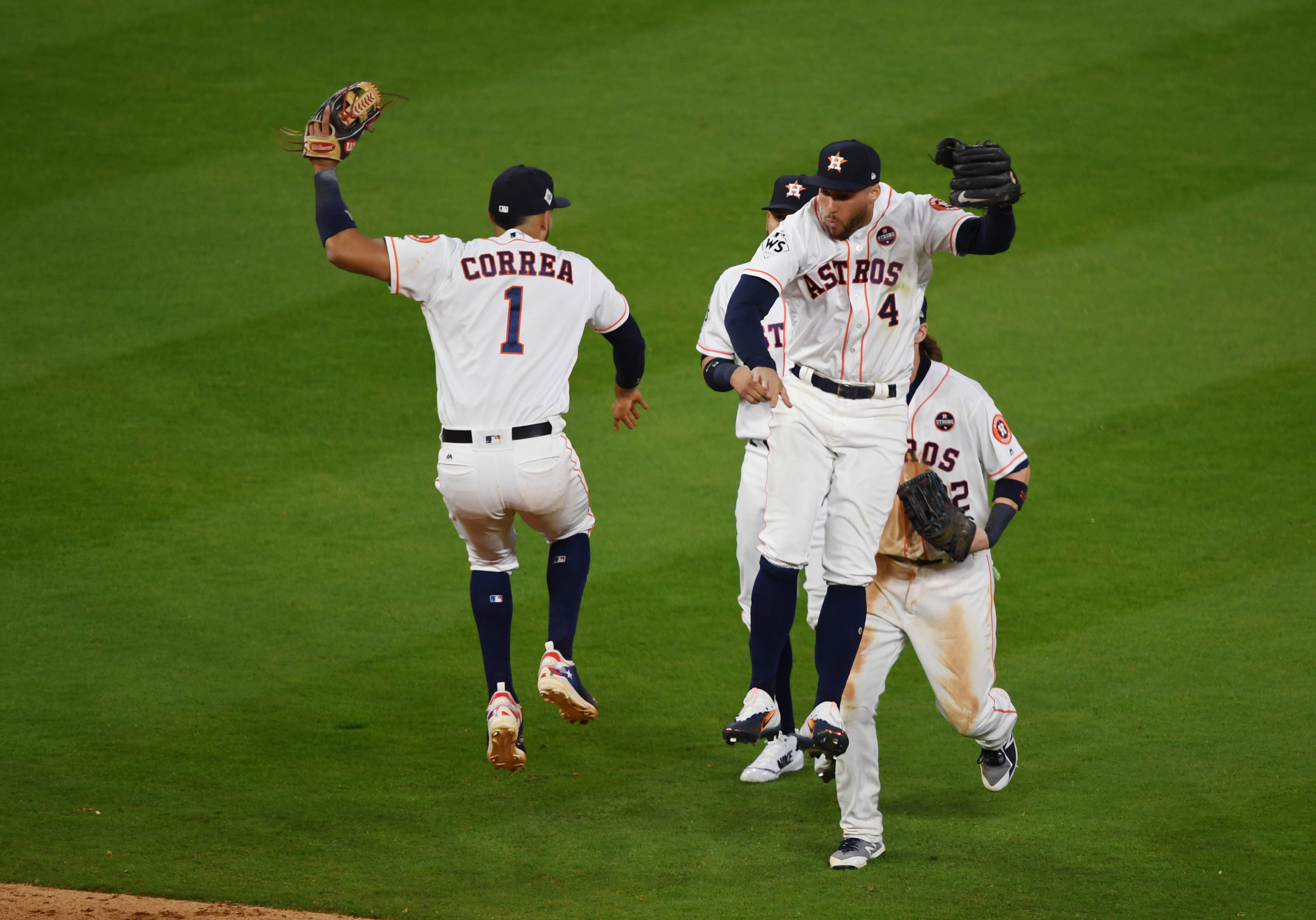 Astros Top Dodgers 5 3 To Pull Ahead In World Series Cbs