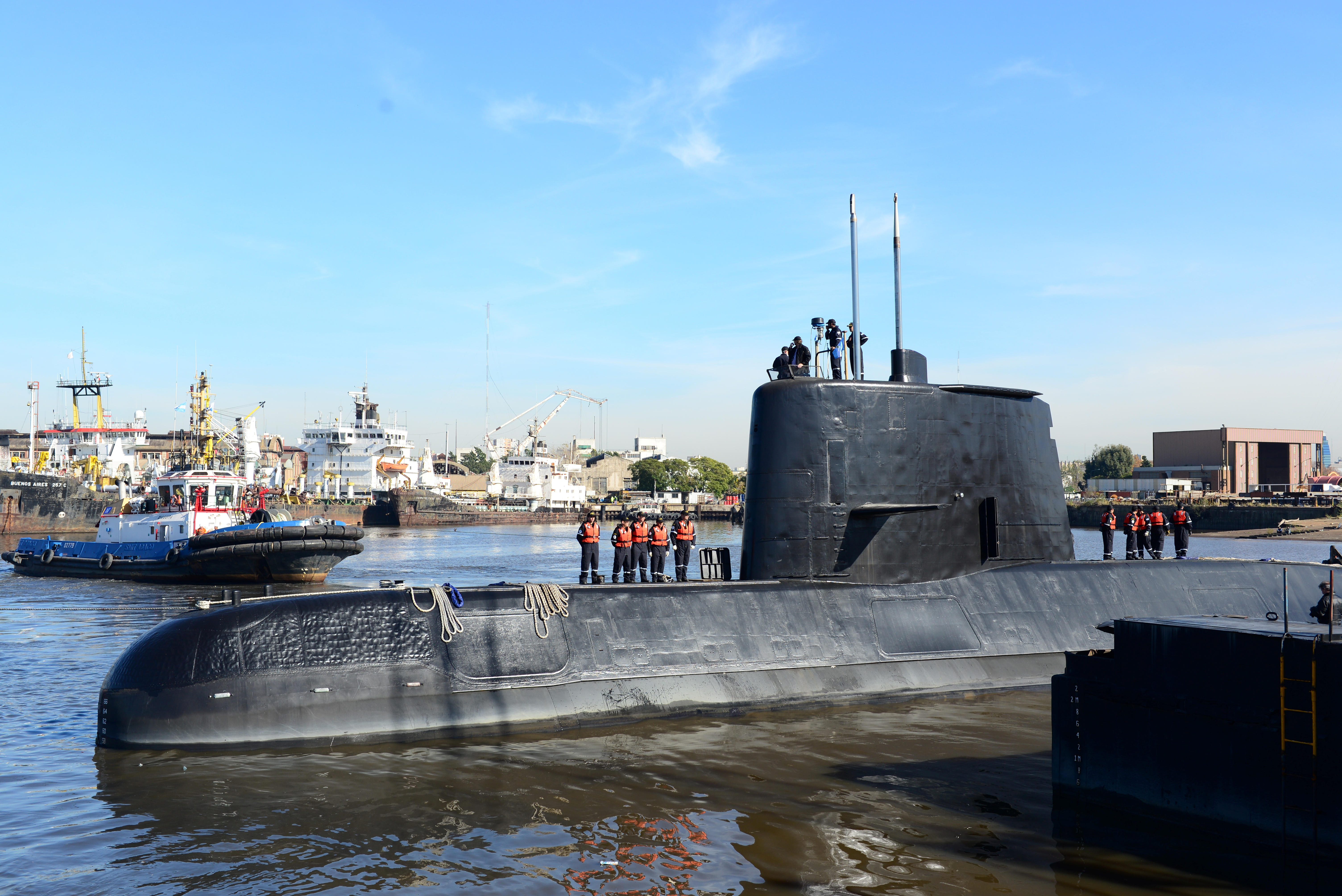 Argentina unsure if signals came from lost submarine