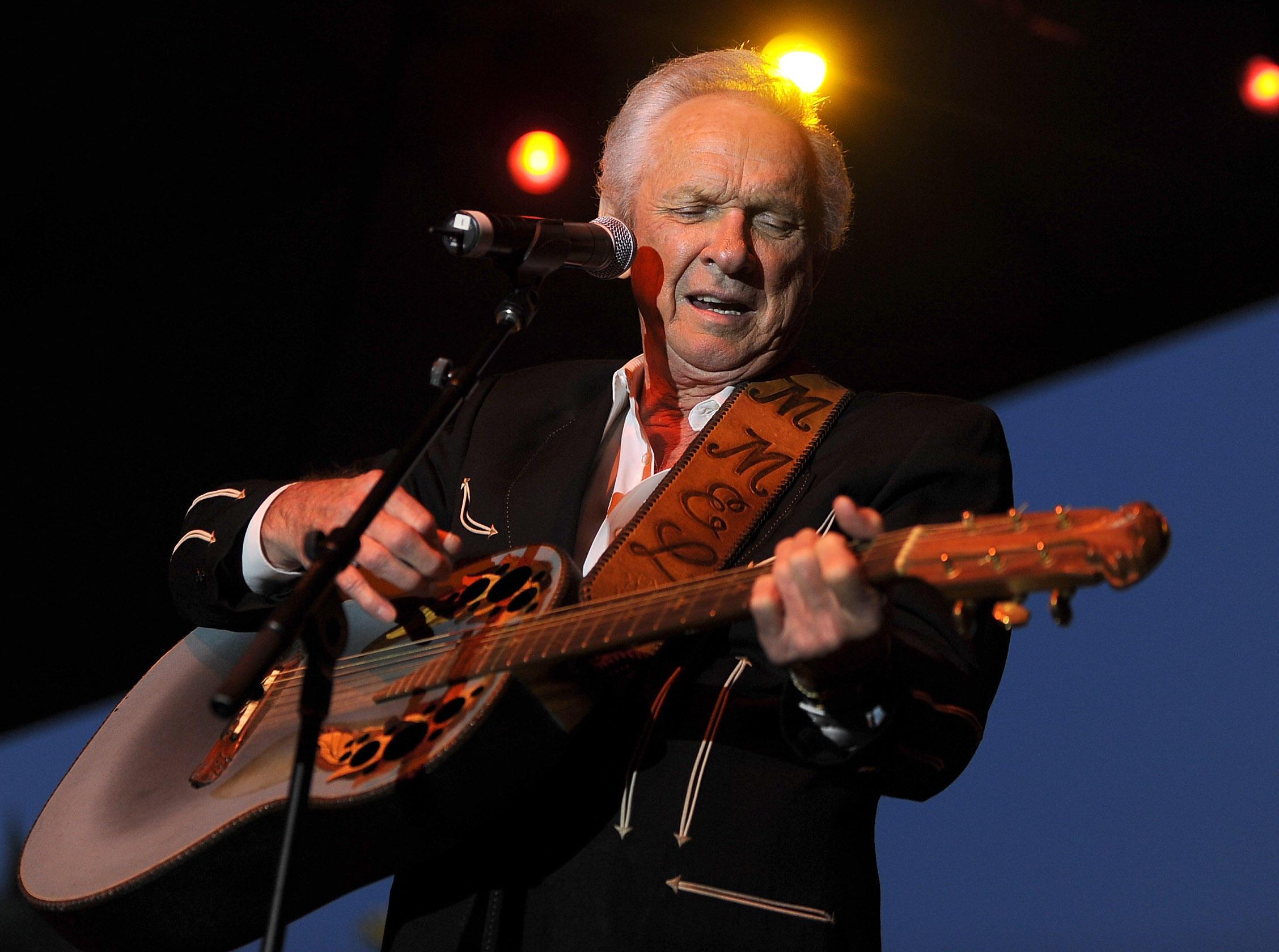 Mel Tillis, country music legend, dead at 85