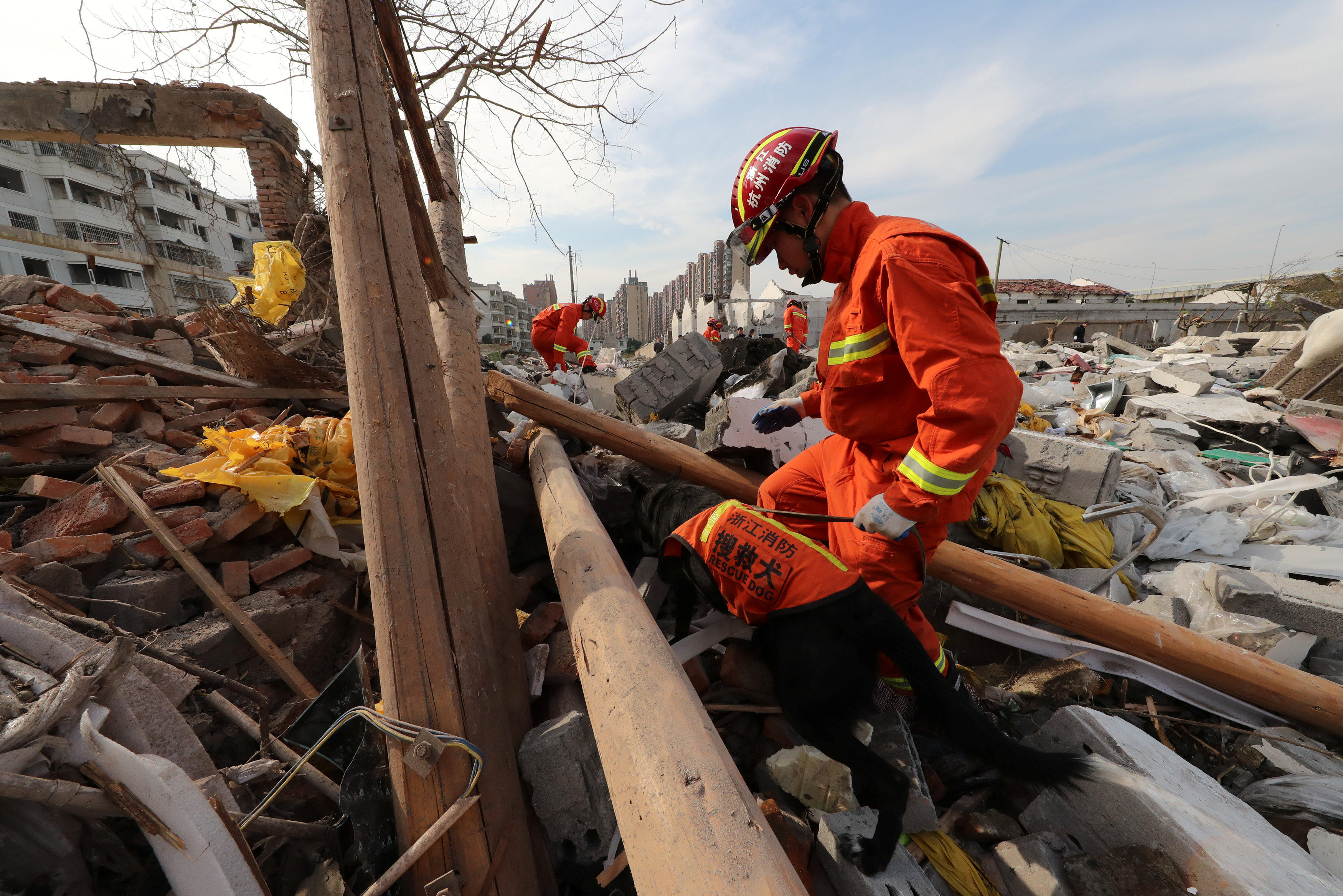 Explosion in port city south of Shanghai kills 2, injures 30