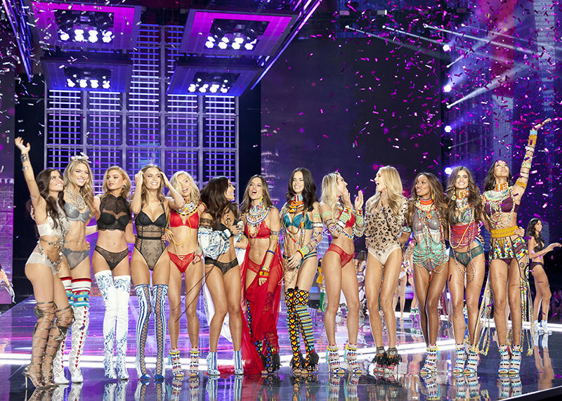 How To Watch The Victoria S Secret Fashion Show On Cbs Tuesday Night