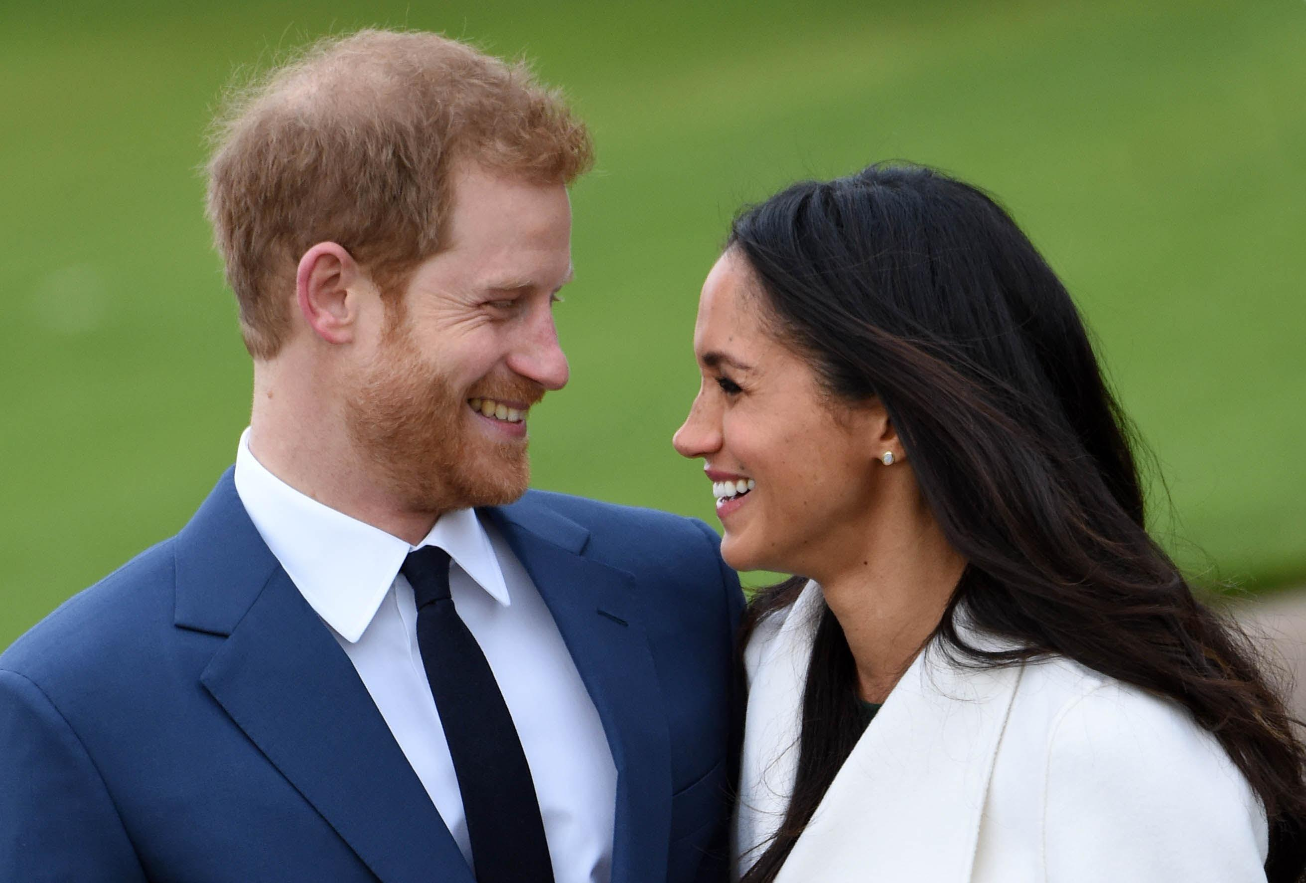 prince harry and meghan markle s wedding date announced cbs news https www cbsnews com news prince harry and meghan markle announce may wedding date