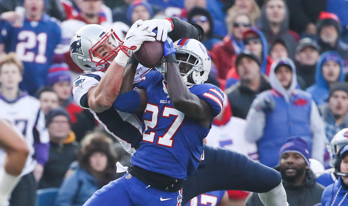 Gronk hit: Patriots' Rob Gronkowski criticized for cheap shot on ...
