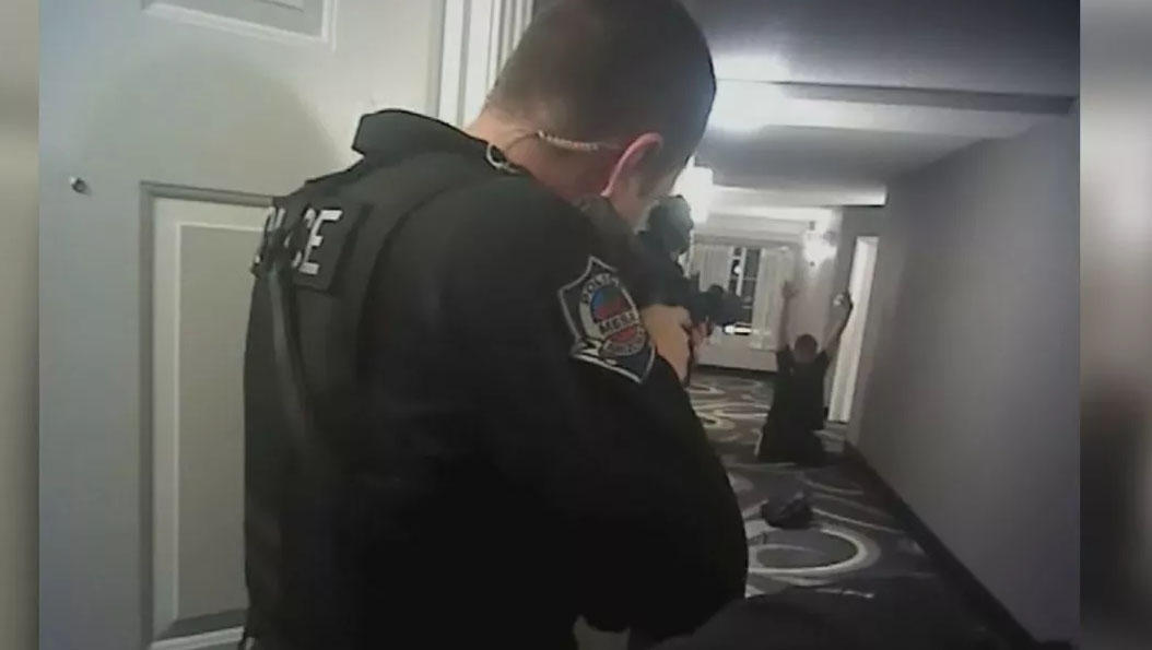 Mesa Police shooting: Daniel Shaver seen crawling, begging