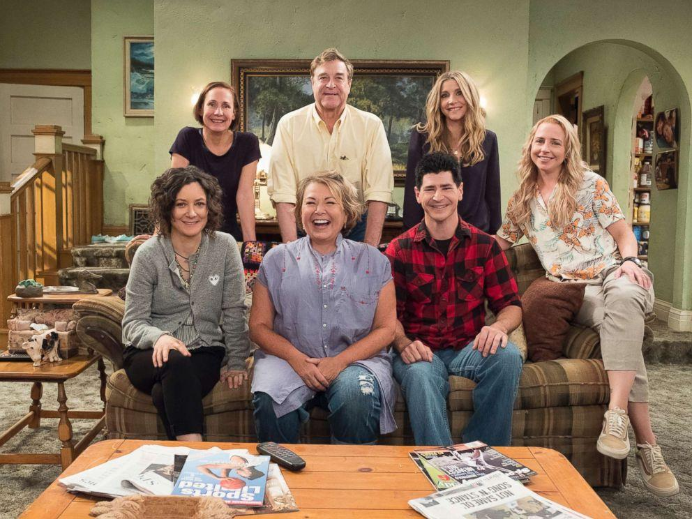 Roseanne Barr Show 2020.Sara Gilbert Other Stars React To Roseanne Cancellation