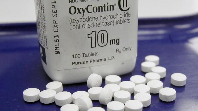 Amid Opioid Epidemic States Experiment >> Oxycontin Maker Says It Will Stop Promoting Drug To Doctors Amid