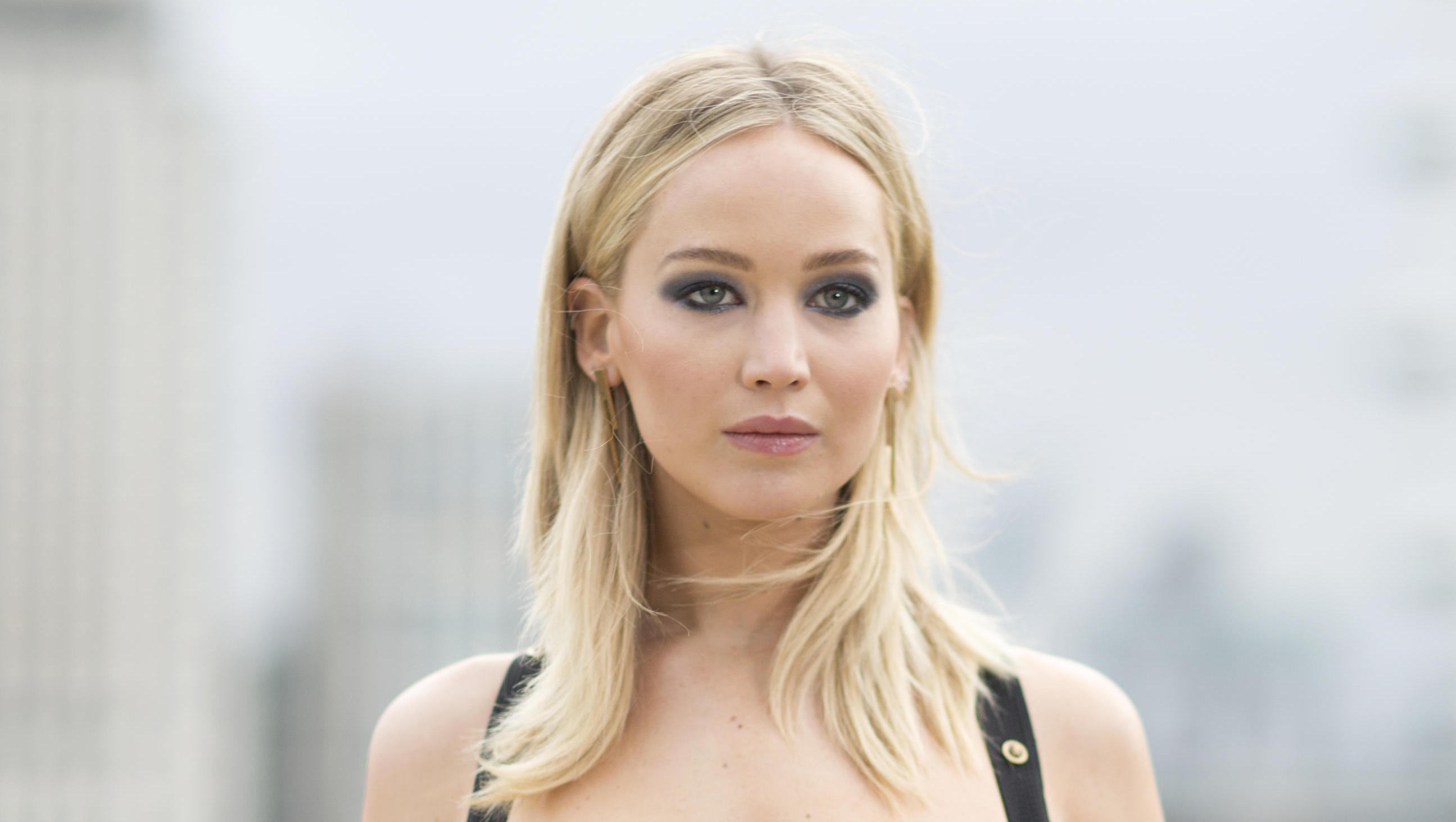 Jennifer Lawrence not sure if she will talk to Ryan ...