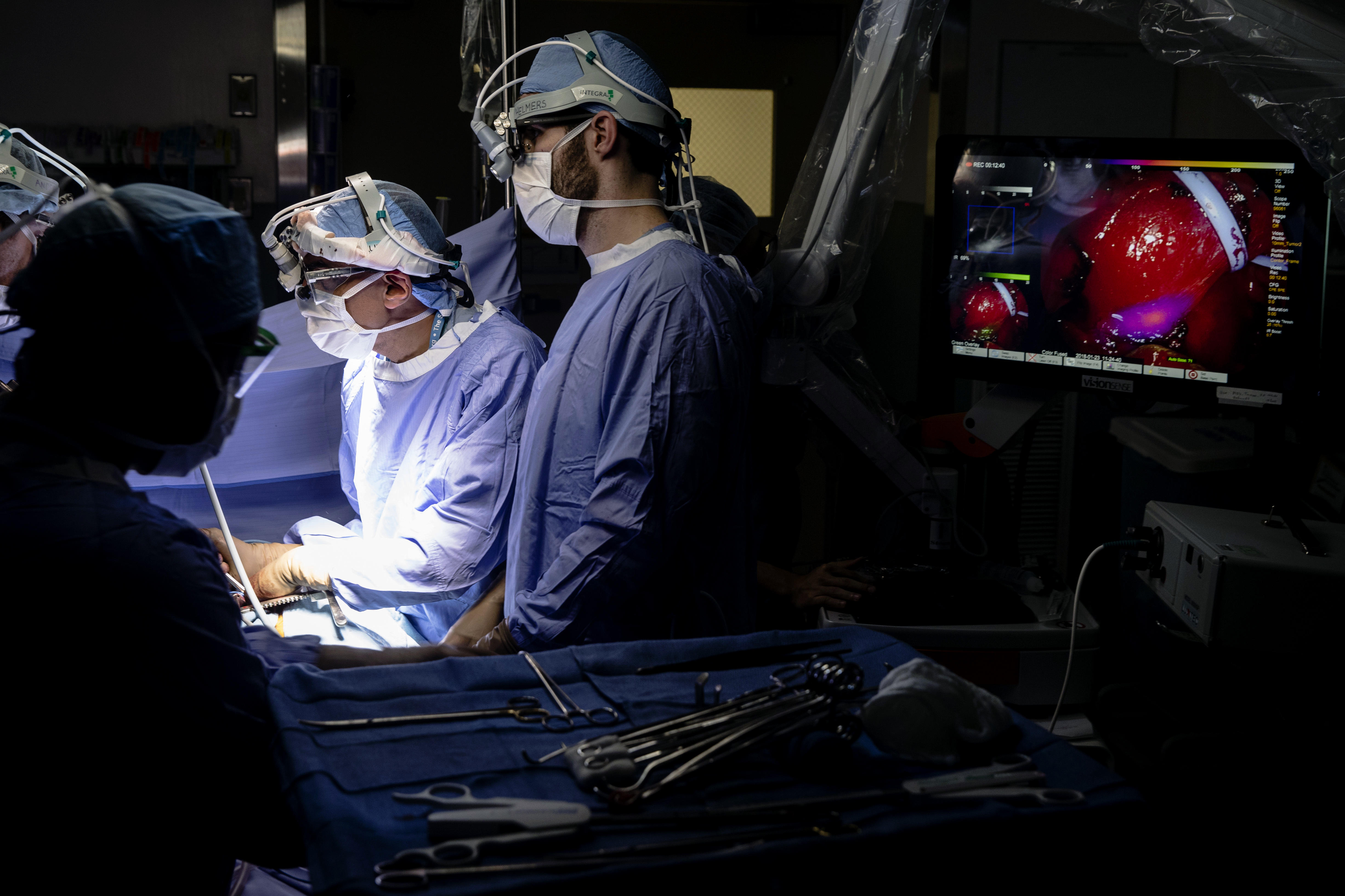 Surgeons target hidden cancer cells with help from glowing