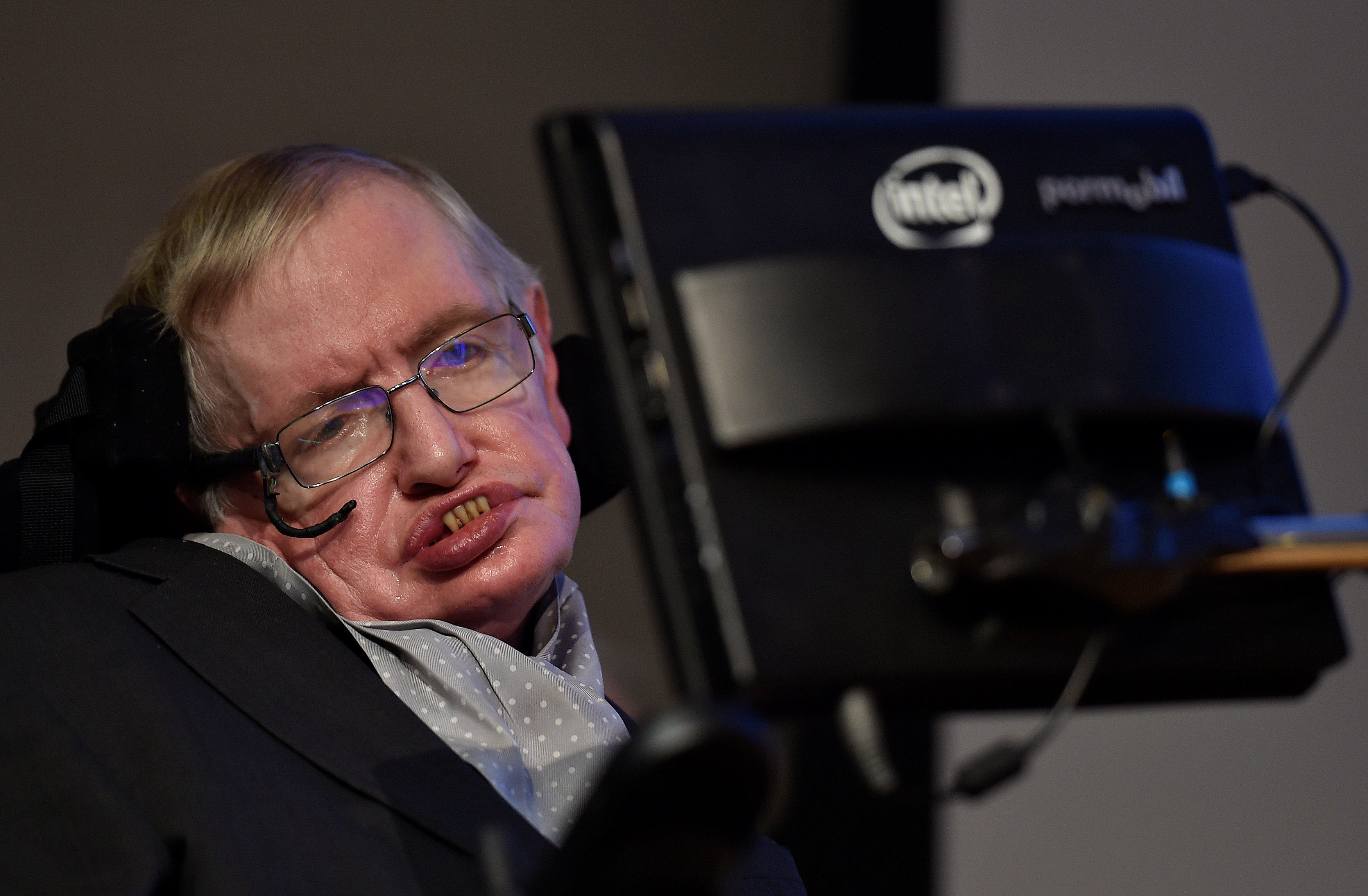 stephen hawking cambridge professor and theoretical physicist dead