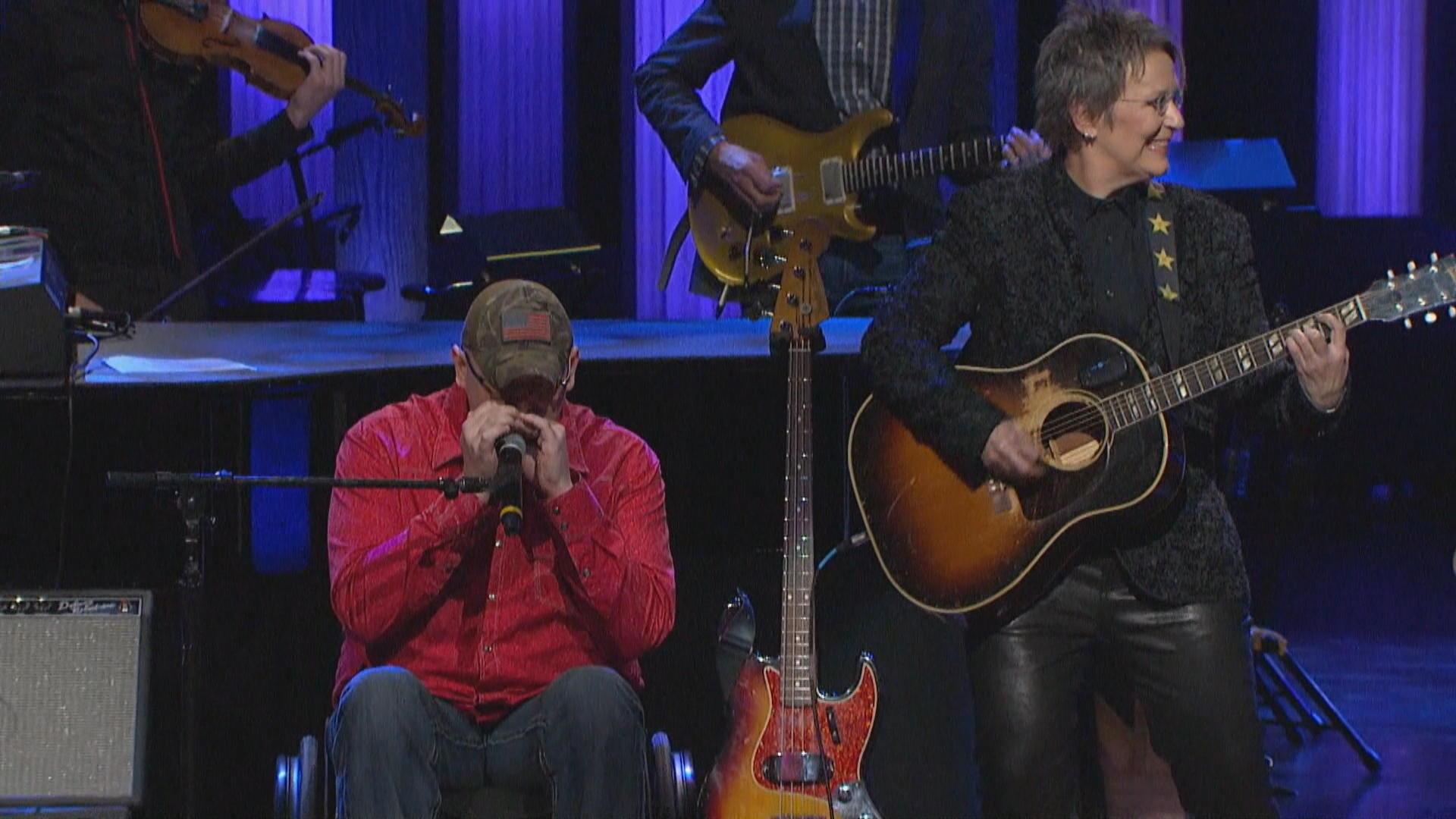 Healing the emotional wounds of war through song - CBS News