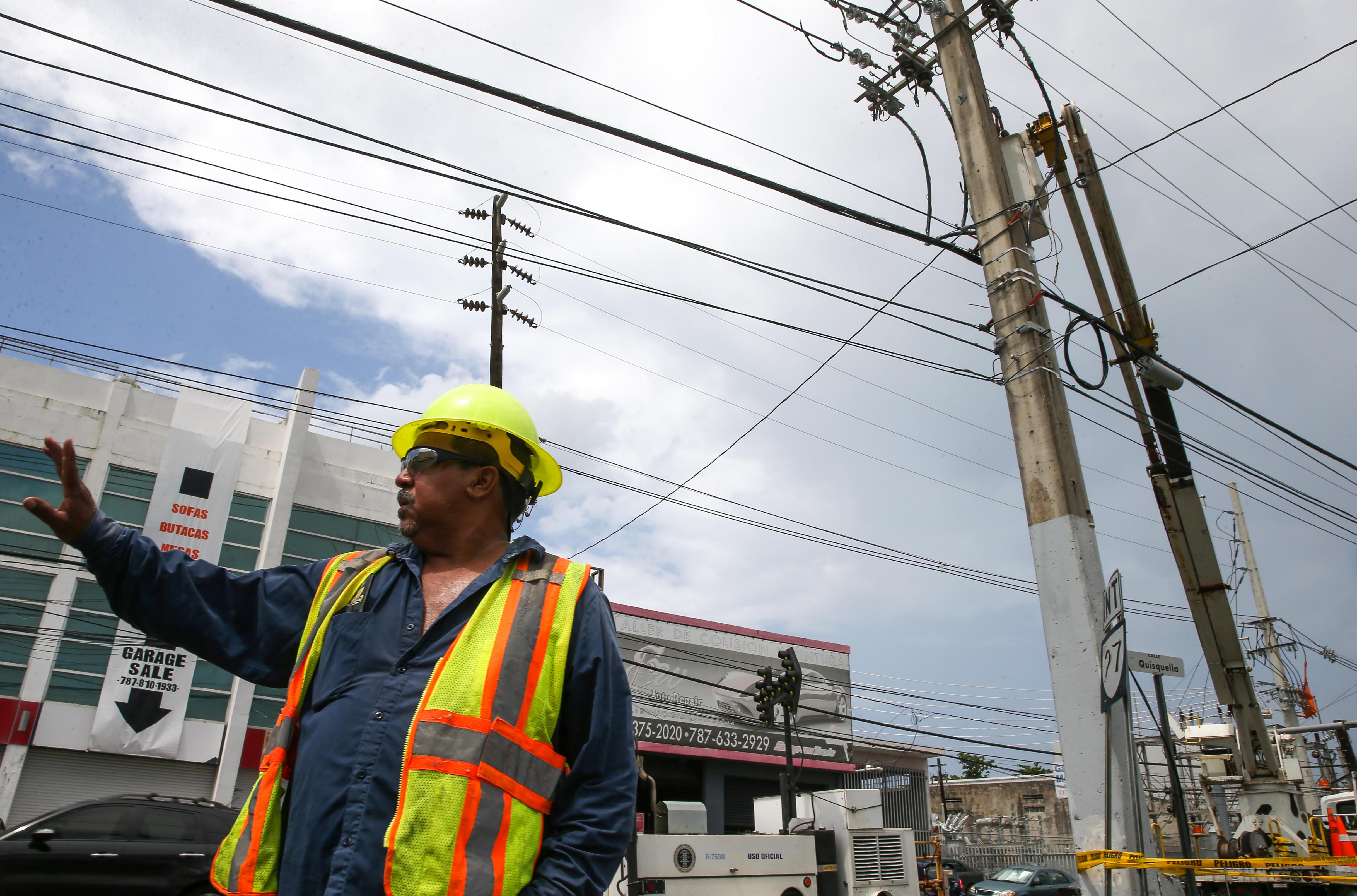 Turmoil slows rebuilding of Puerto Rico s power grid - CBS News 3c0ddf6072f3