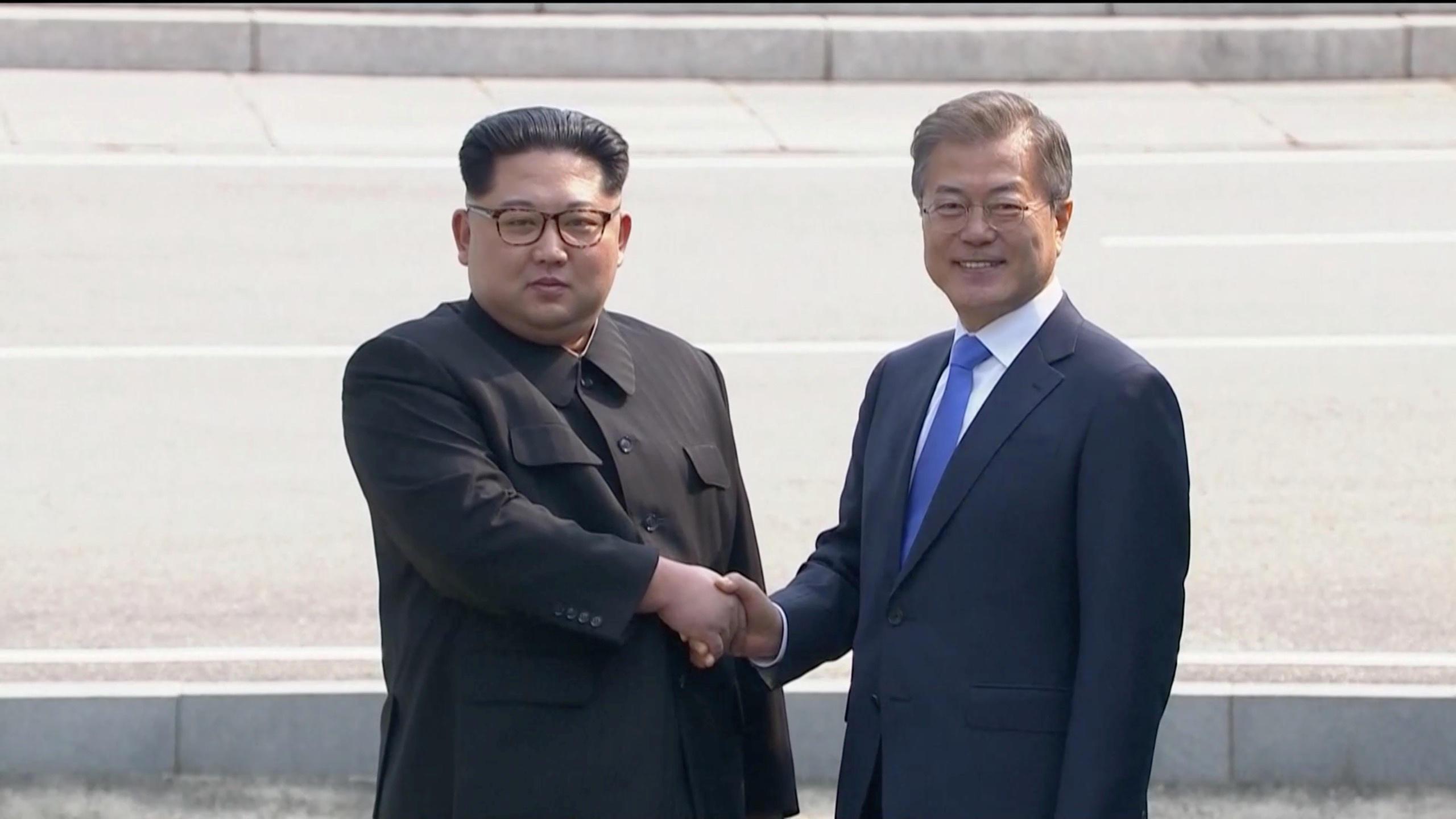 North Koreas Kim Jong Un Meets South Korean President Moon Jae In