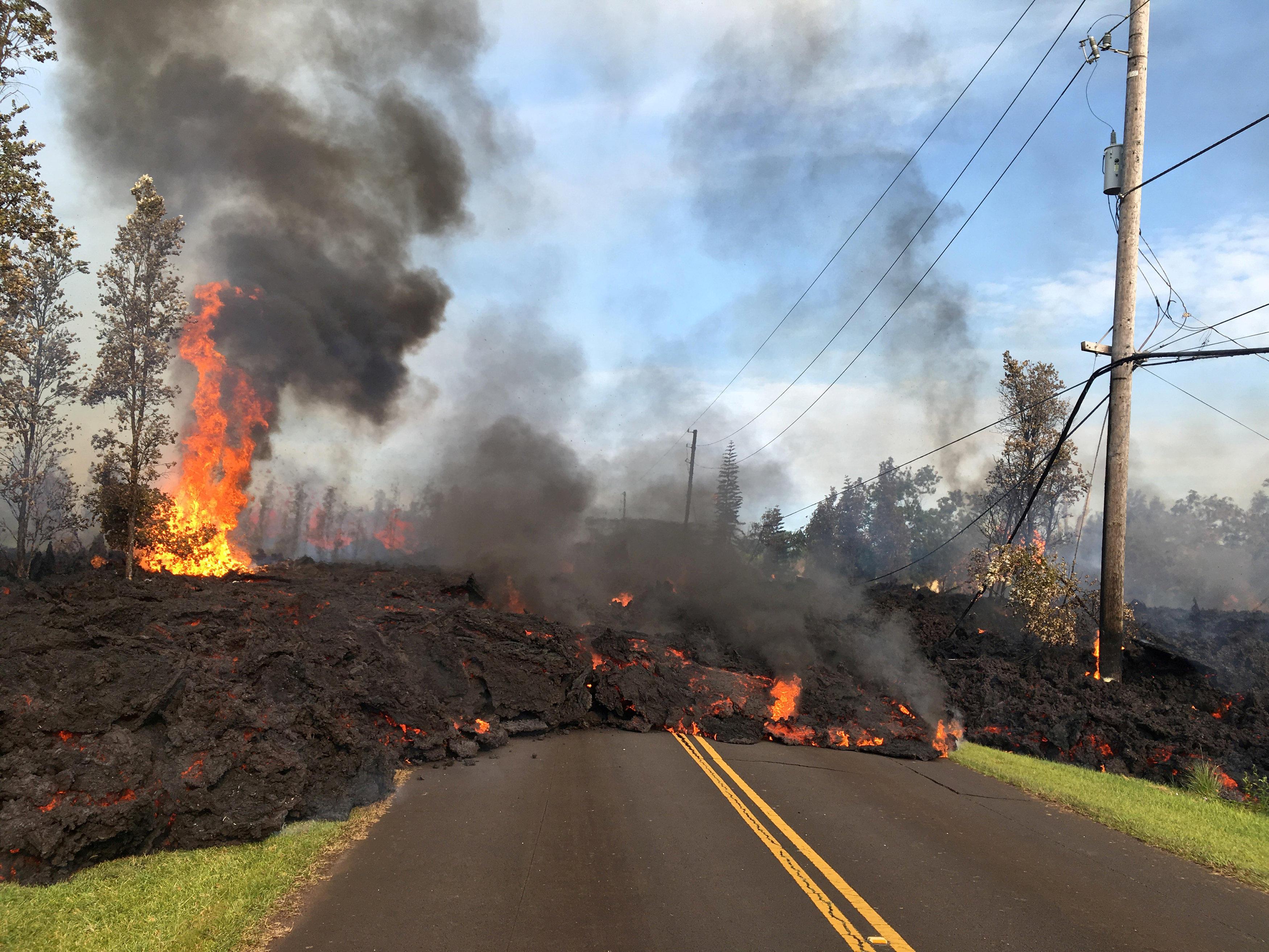Hawaii's Kilauea volcano eruption destroys 21 homes