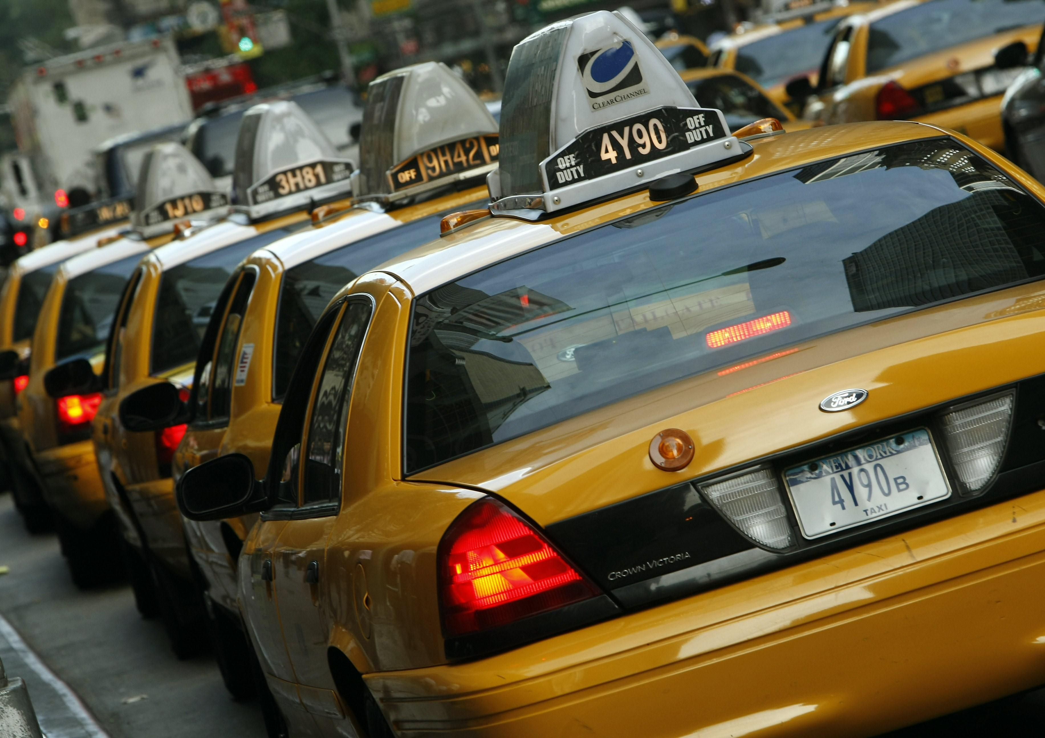 Uber CEO backs surcharge to aid struggling NYC taxi owners