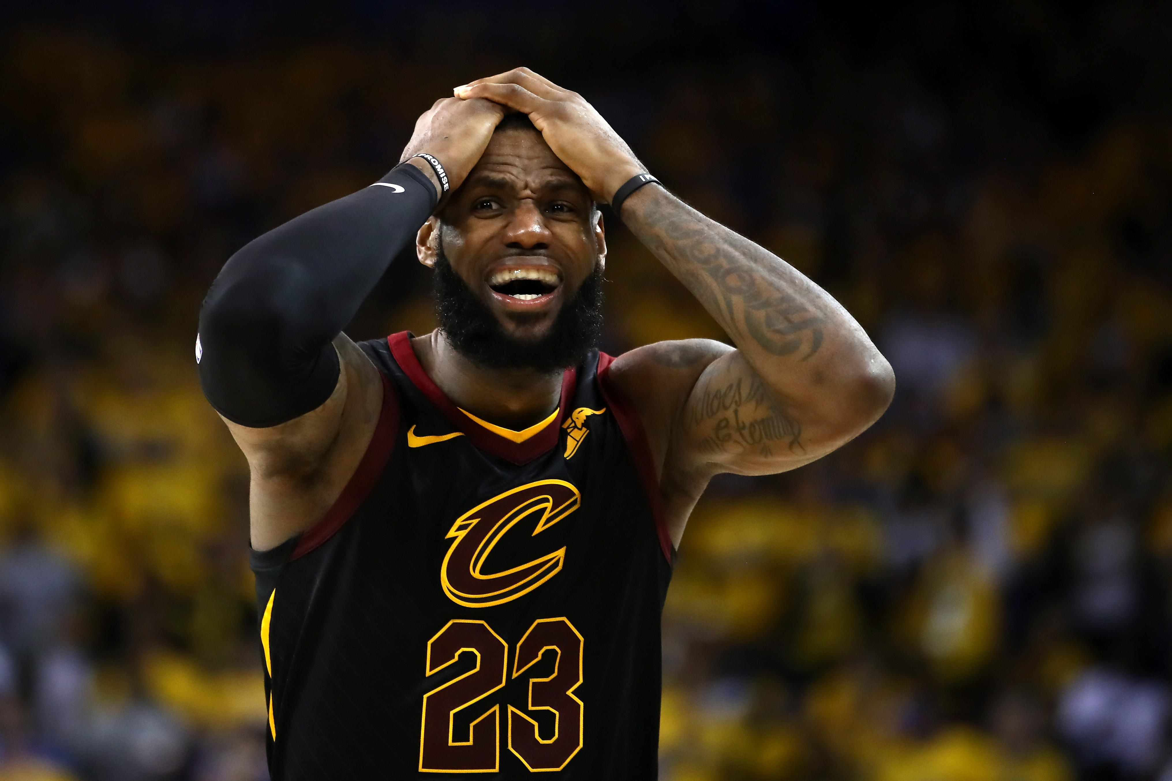 d7edcdd4ce31 NBA Finals 2018  LeBron James walks out of news conference after Game 1 loss