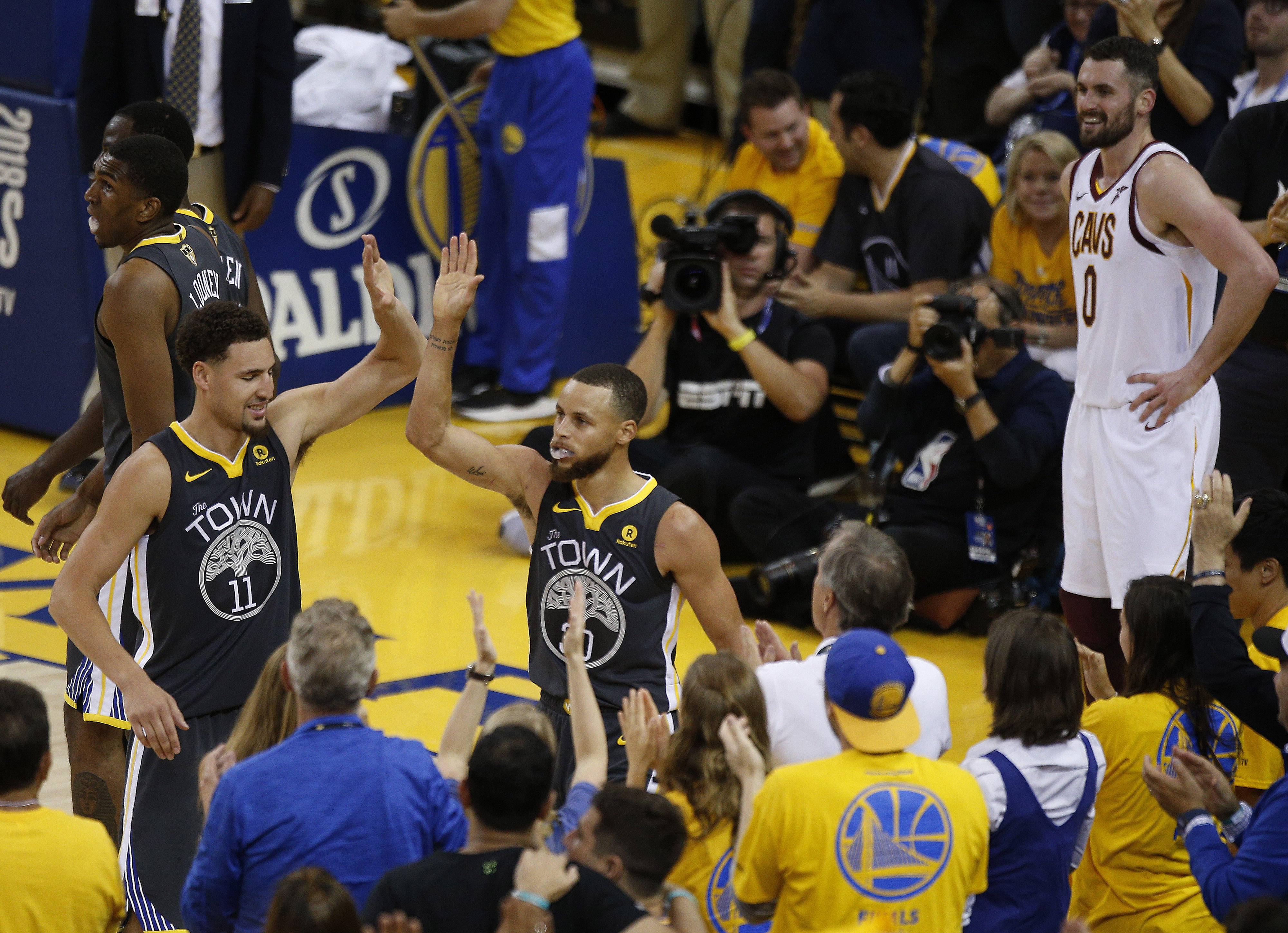 2018 NBA Finals Game 2 results today  Golden State Warriors beat ... 219d818b3