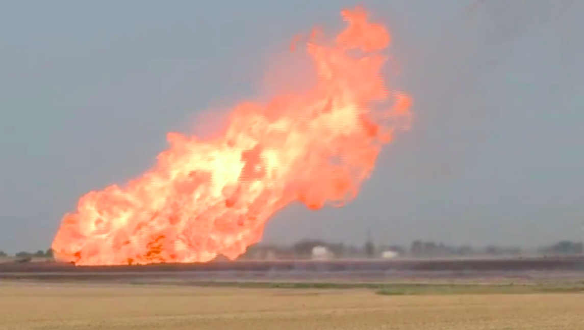 Natural gas pipeline explosion rocks rural Kansas - CBS News