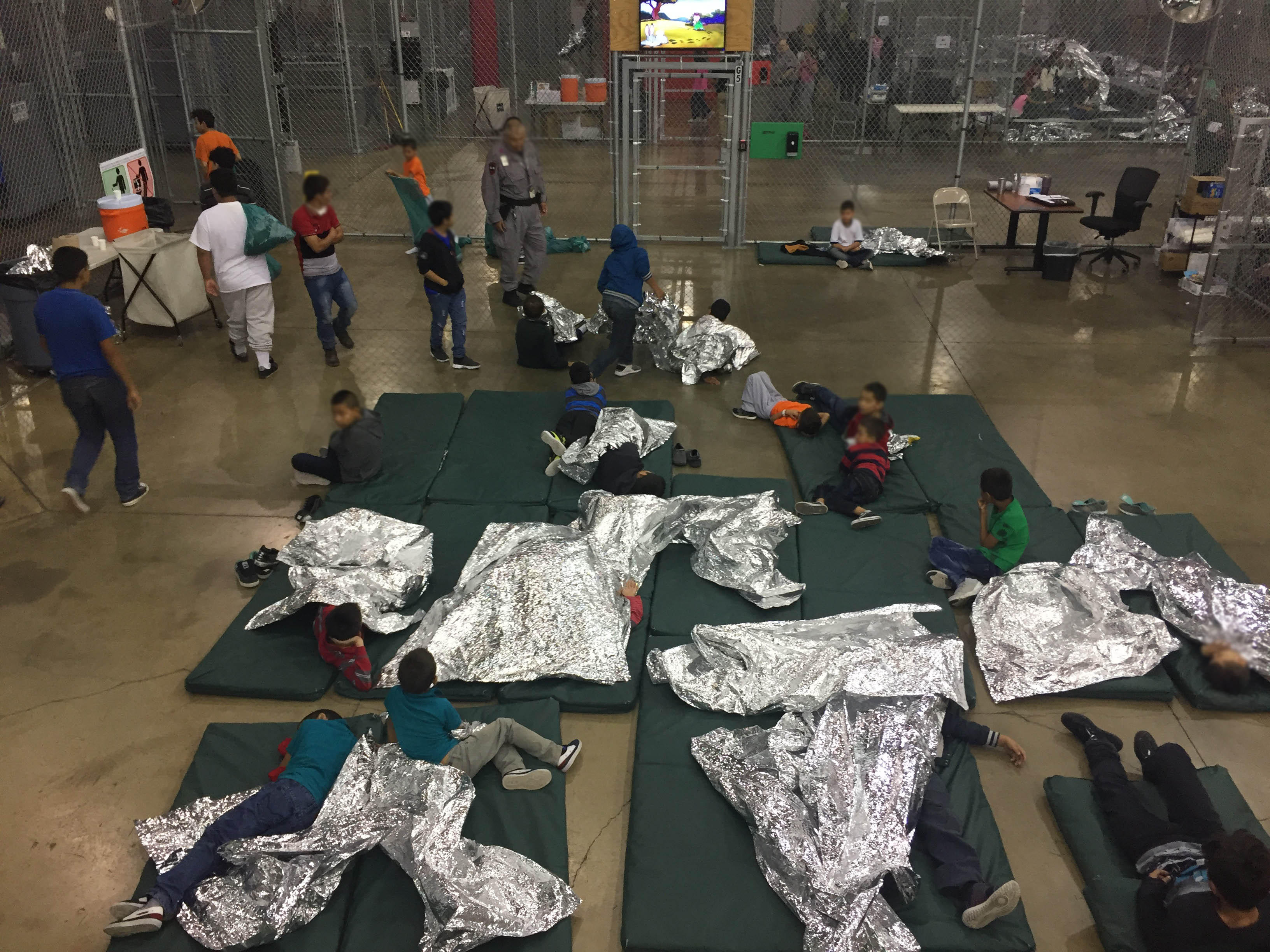 Texas Kids Werent Kept Out Of Special >> Inside The Border Patrol Facility In Mcallen Texas Housing