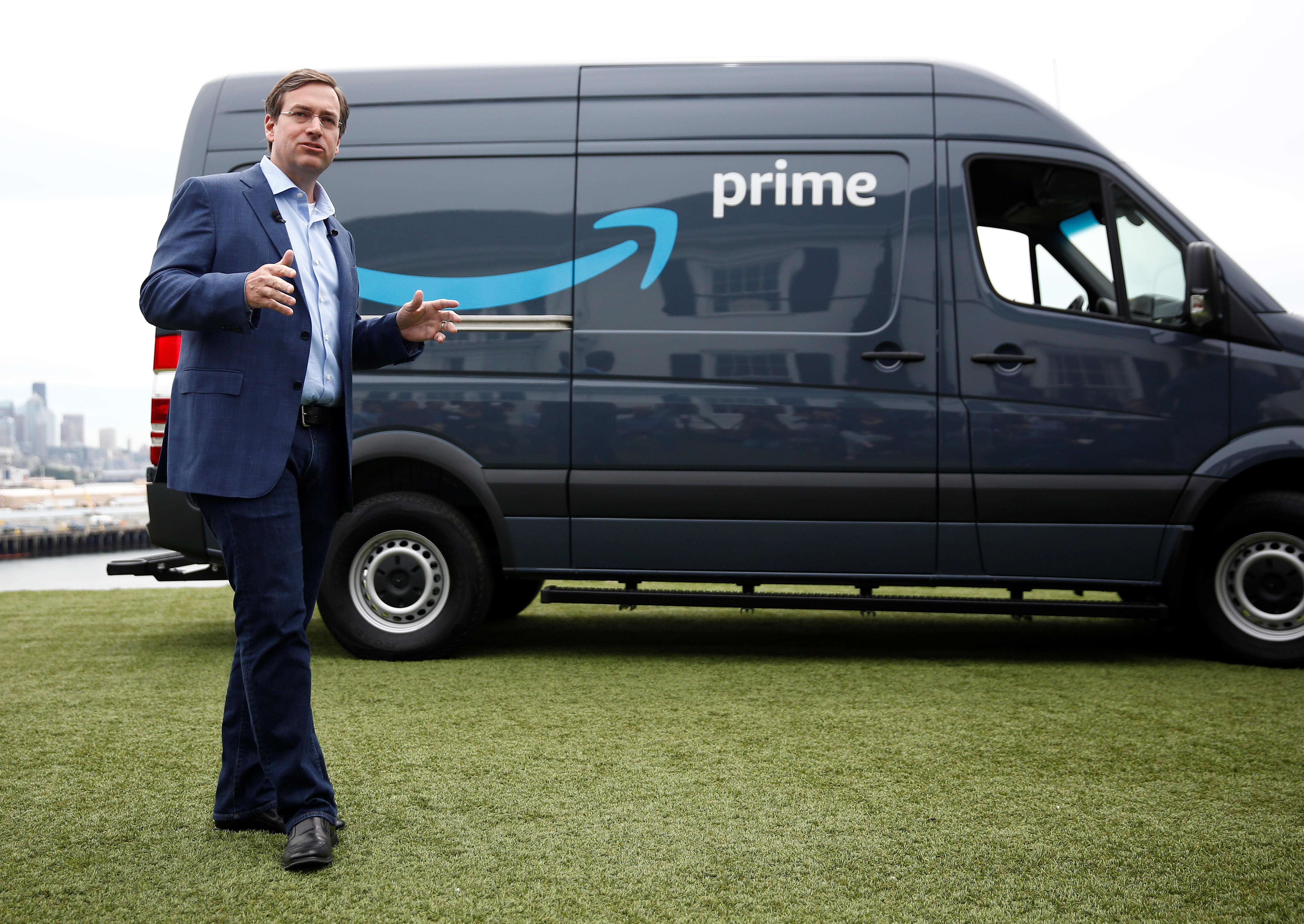 Pros And Cons Of That 10 000 Amazon Delivery Business Offer Cbs