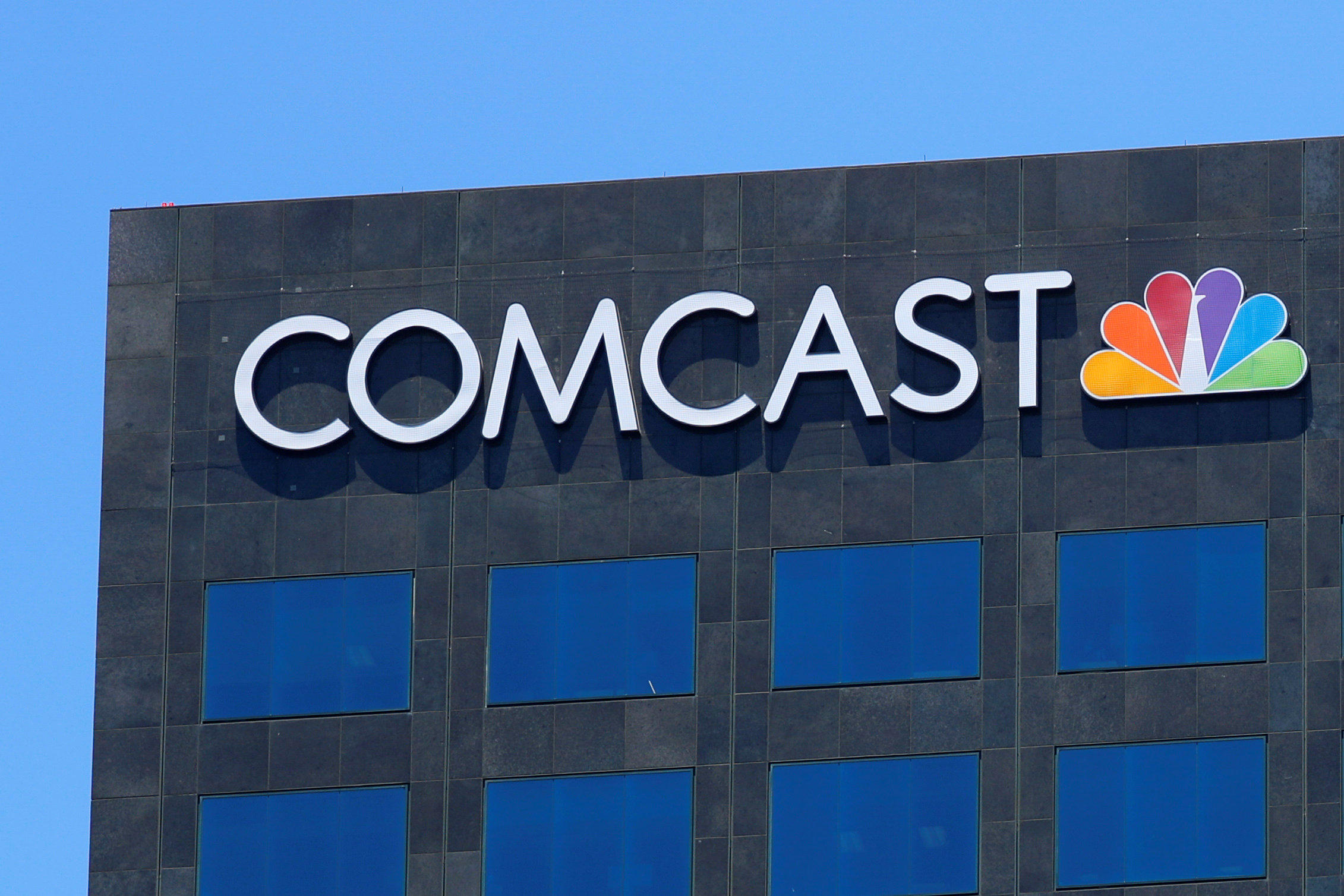 Comcast outage affecting business, residential customers - CBS News