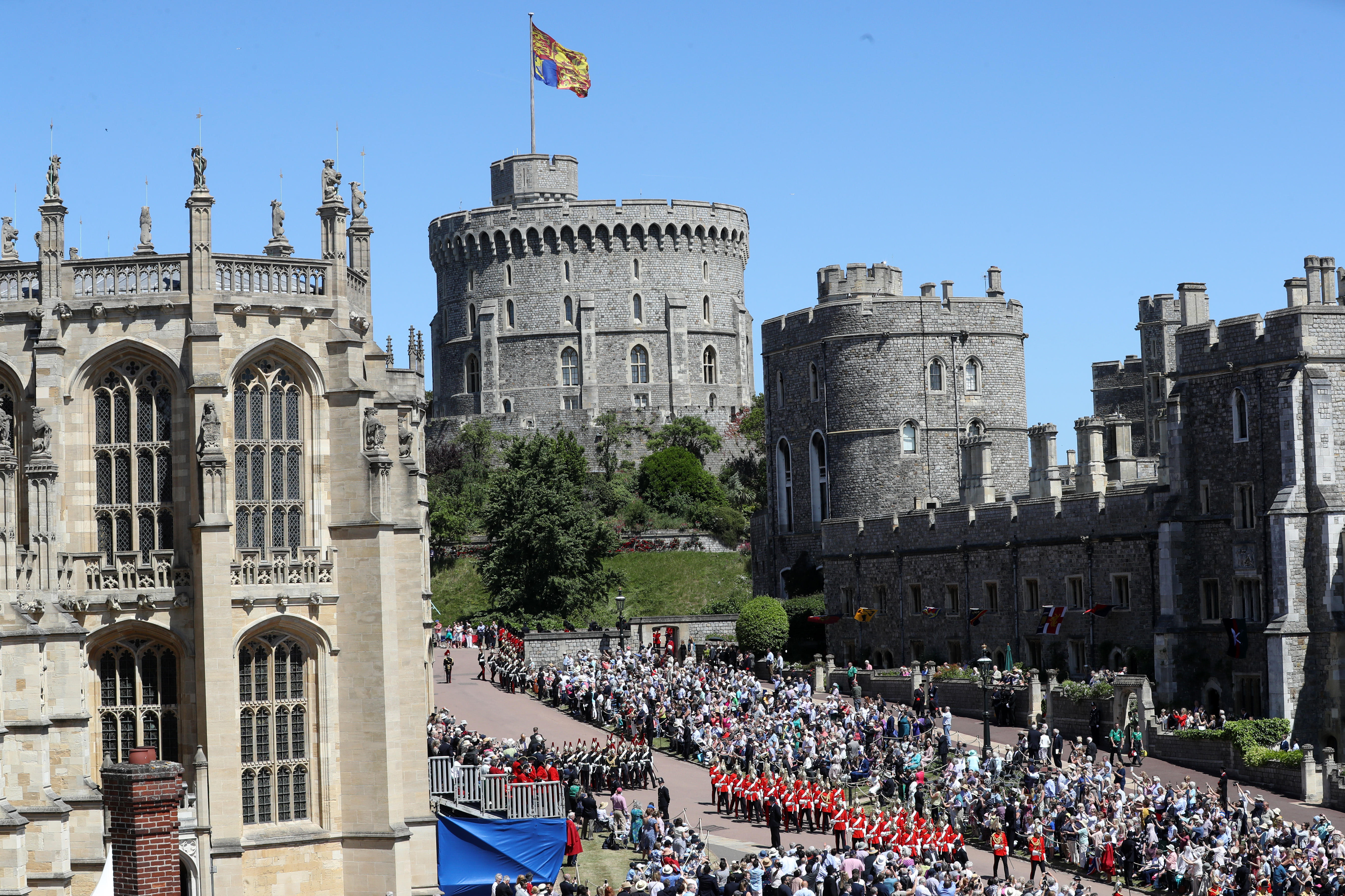 Trump to watch military parade at Windsor Castle - CBS News