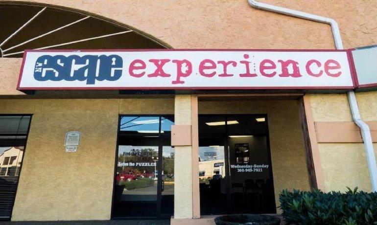 Burglar Breaks Into Escape Room Business Calls 911 When He Can T