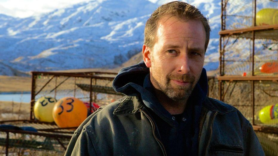 deadliest catch star apologizes for molesting 16 year old cbs news
