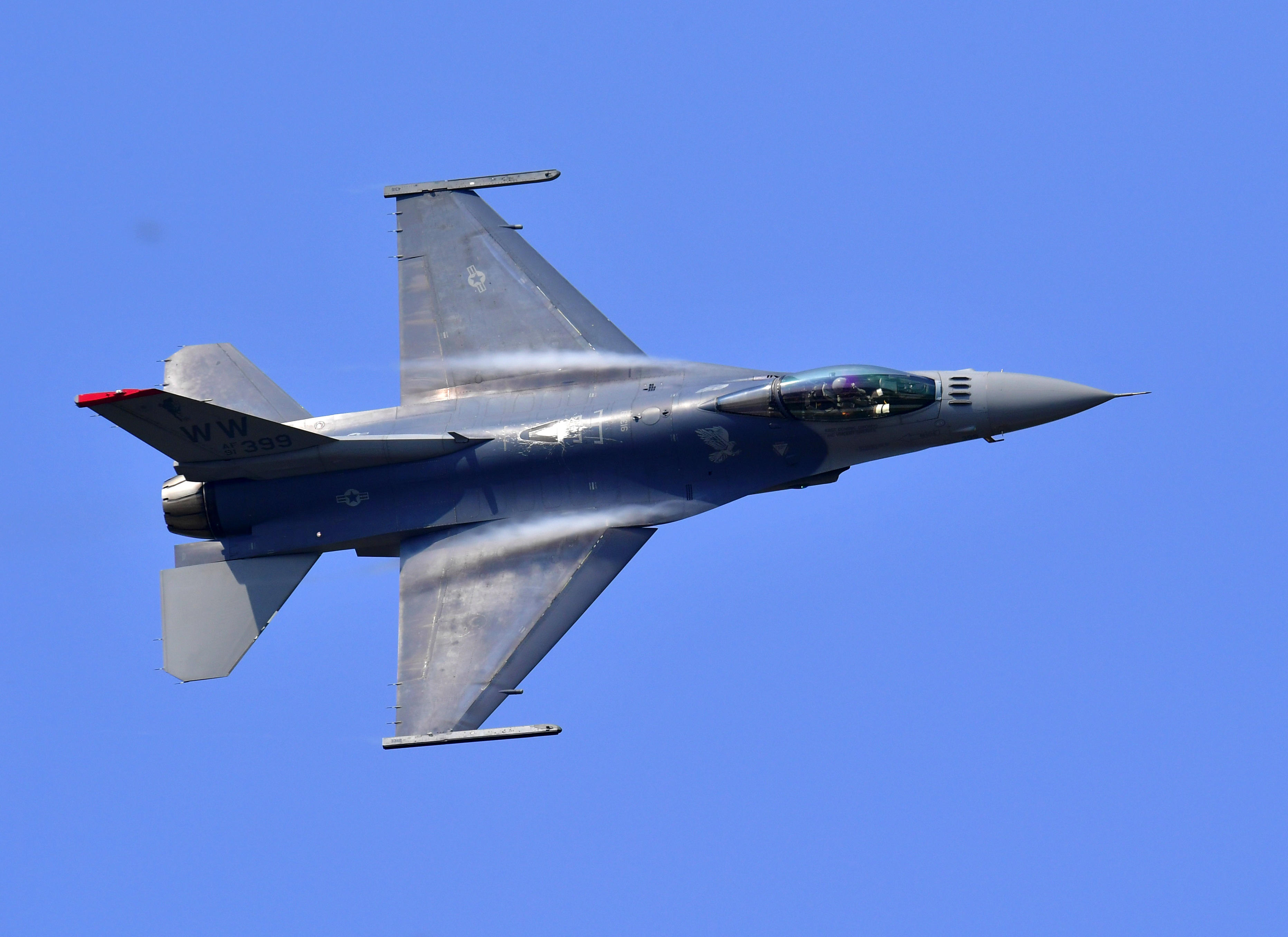 c2c496a66b750 U.S. Air Force fighter jet intercepts plane near Trump golf course