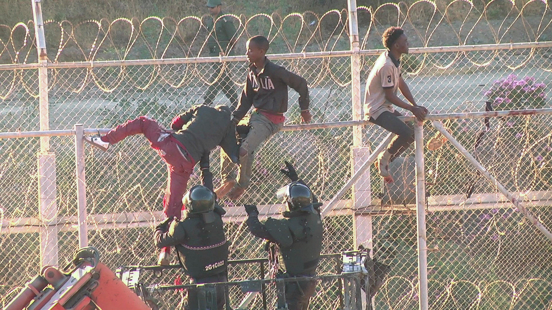 1f0fd5c7fcf Migrants storm Ceuta border crossing into Spain as Europe s ...