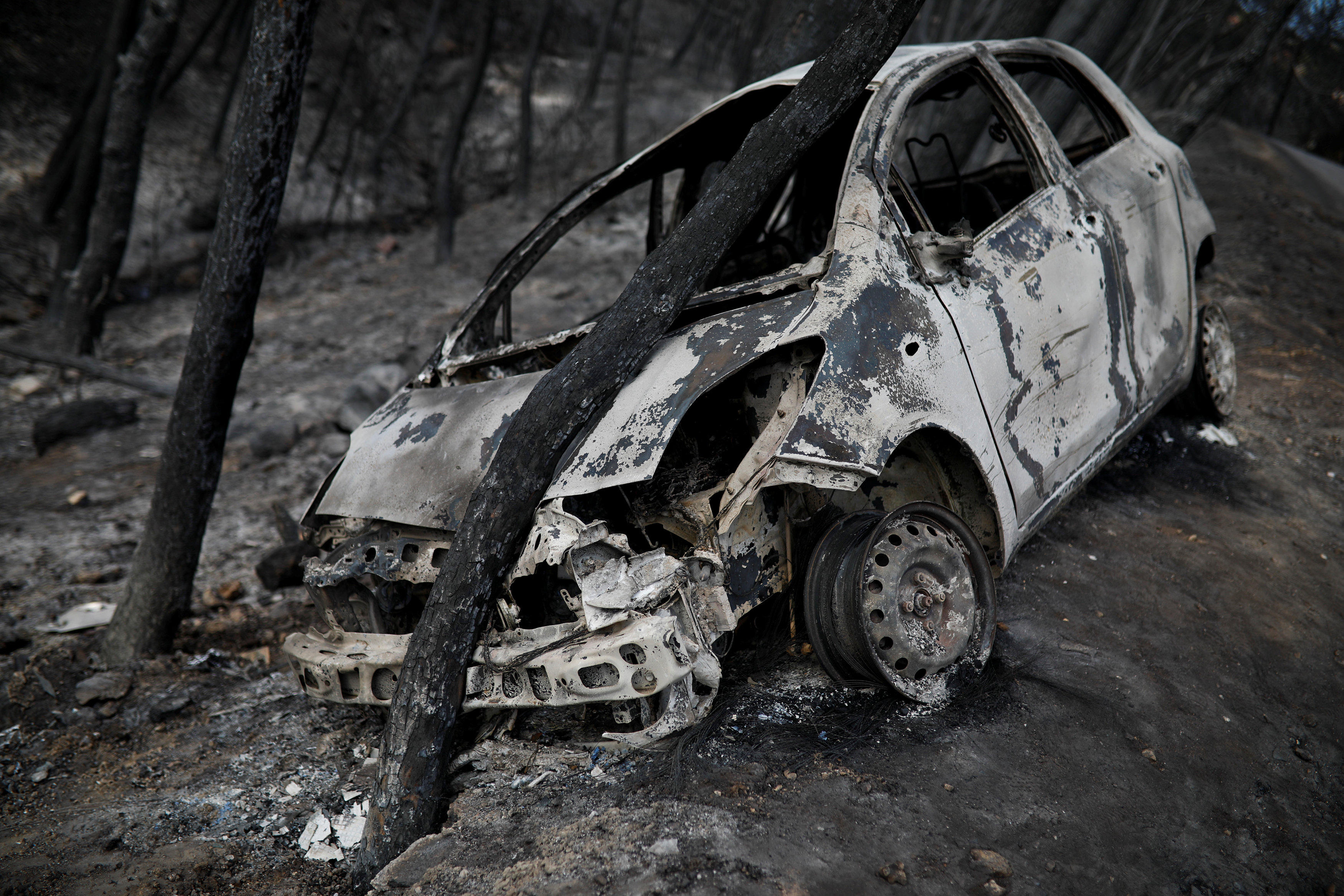 "fire in greece: officials see ""serious indications"" arson led to"