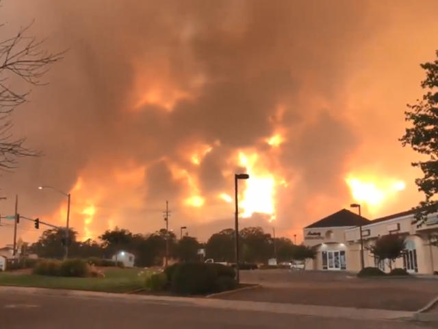 Carr Fire Raging Wildfire Northern California Turns Deadly Reaches