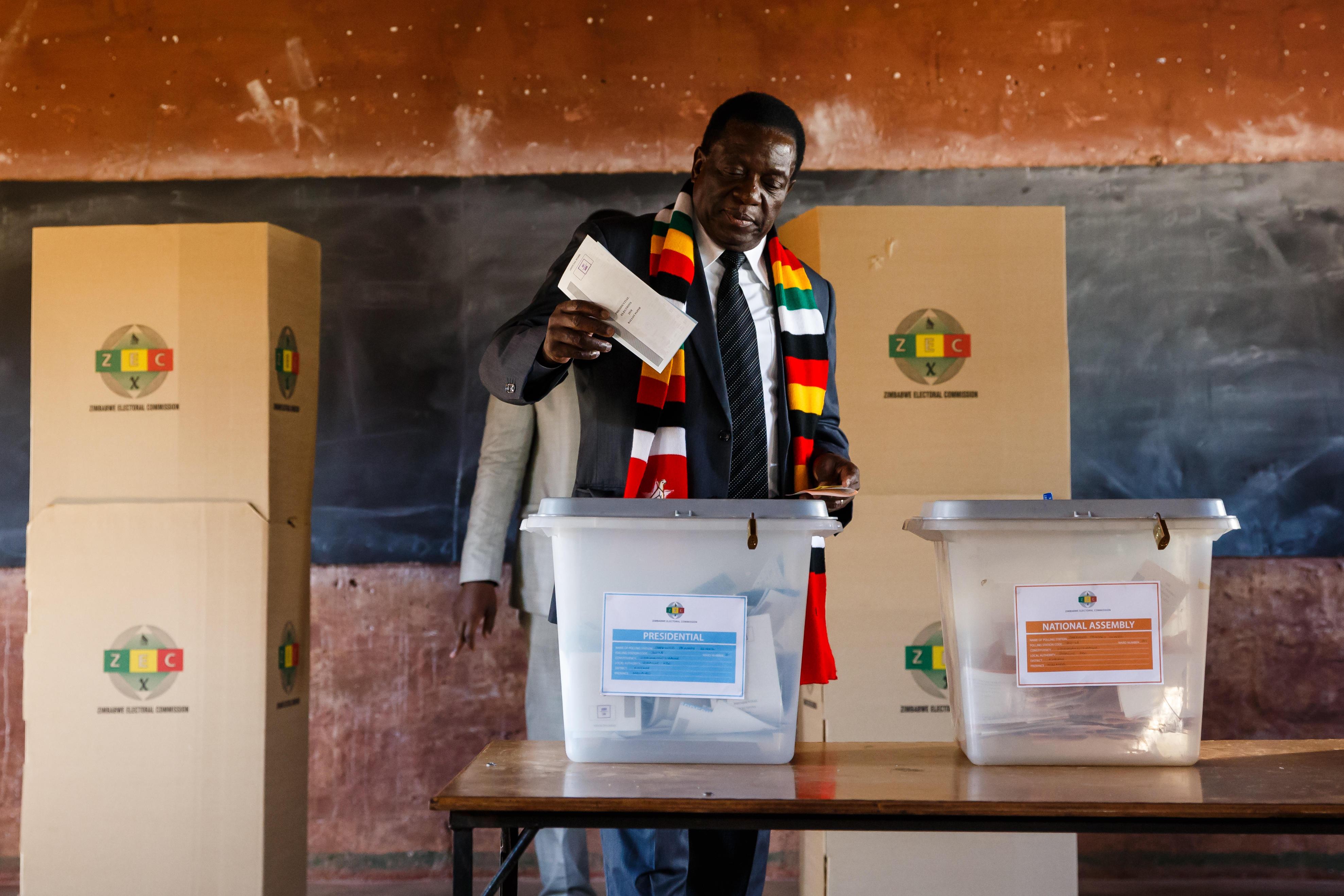zimbabwe election in post robert mugabe era sees emmerson mnangagwa
