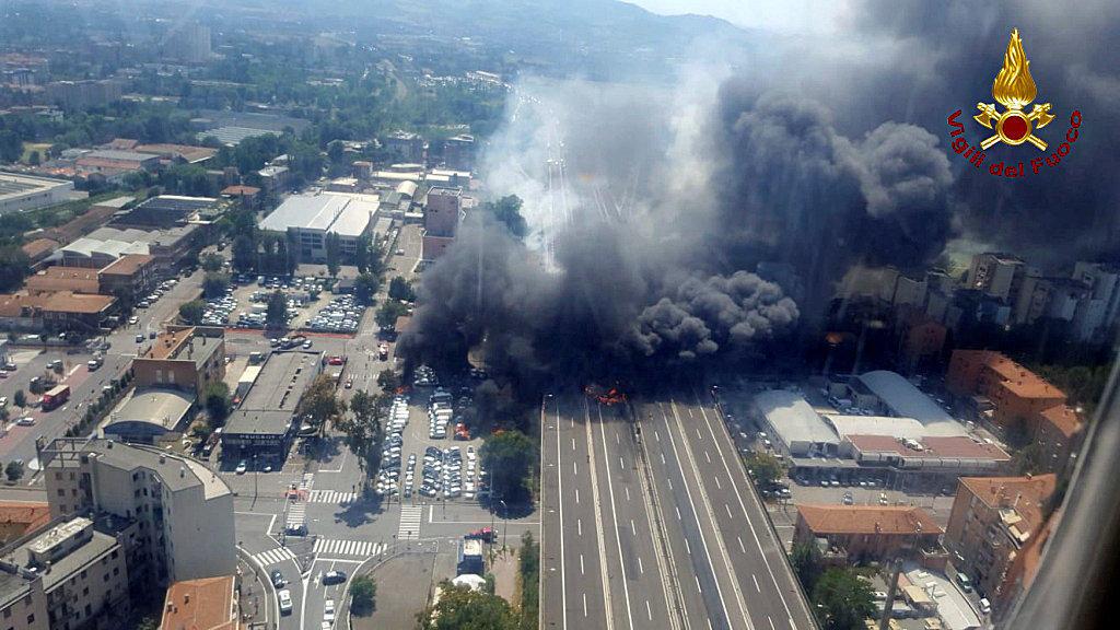 Map Of Italy Showing Bologna.Bologna Italy Explosion Today Near Airport Kills 2 Injures Dozens