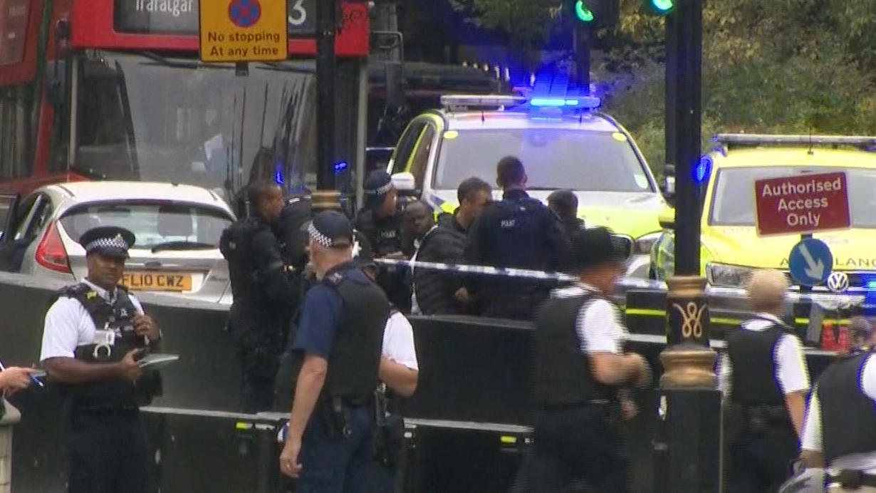 London attack police suspect terrorism as car crashes into u k parliament gate in westminster area of london today live updates cbs news